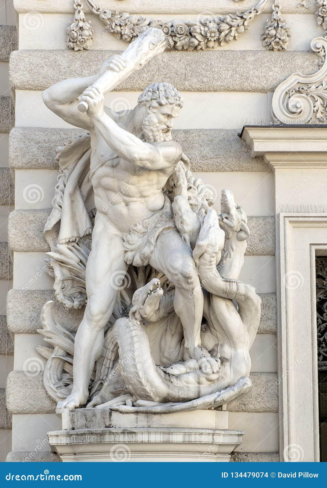 Statue de Hercule massacrant l hydre de Lernaean, palais de Hofburg, Vienne, Autriche