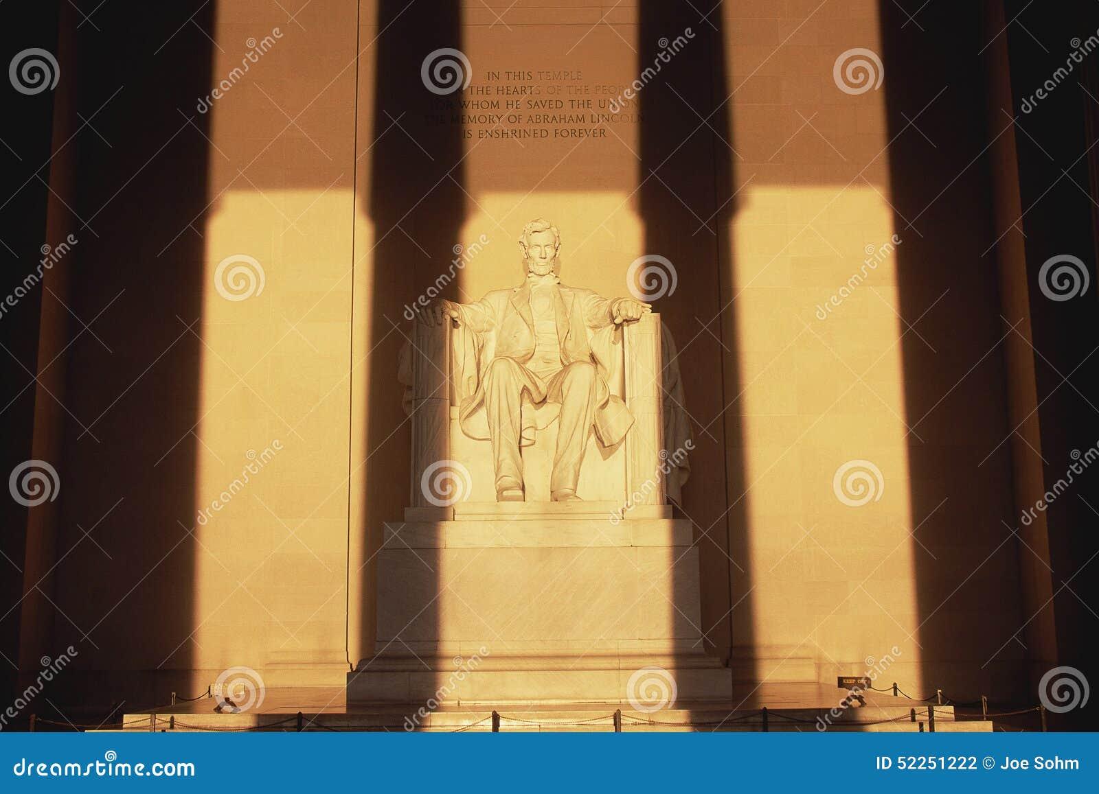 Statue de Lincoln chez Lincoln Memorial