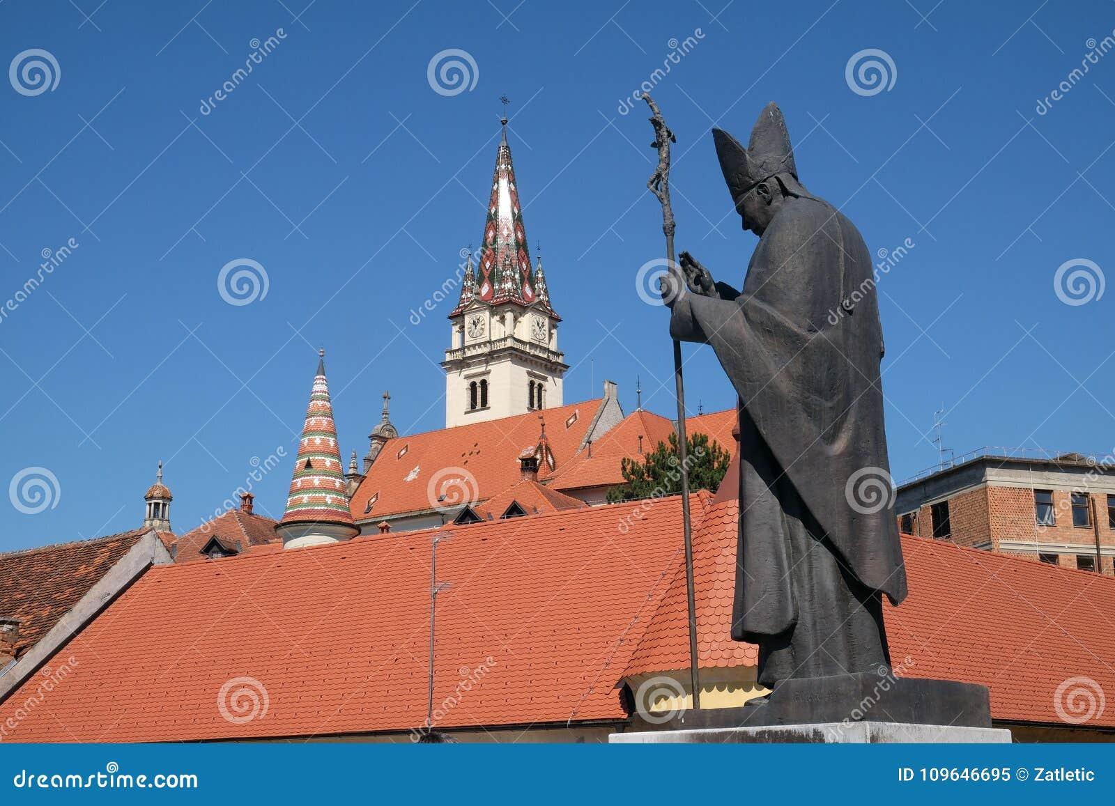 Statue de pape John Paul II, hypothèse de basilique de Vierge Marie en Marija Bistrica, Croatie