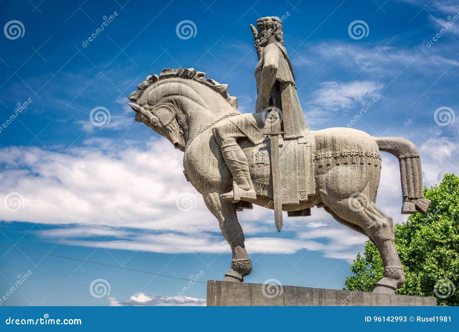 Statue de roi