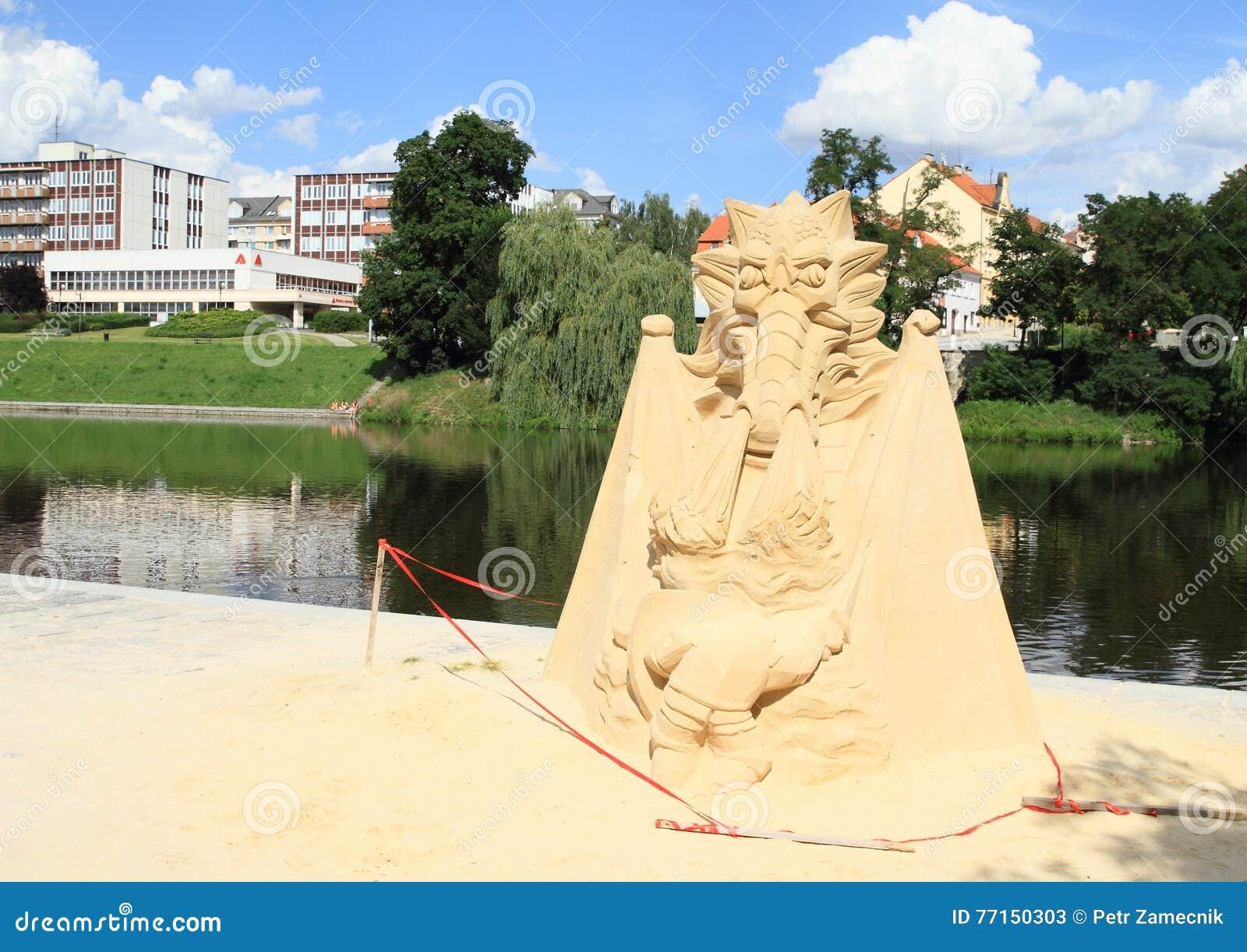 Statue de sable dans Pisek