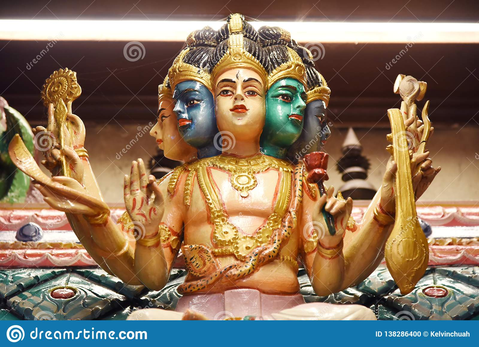 Statue dei indù