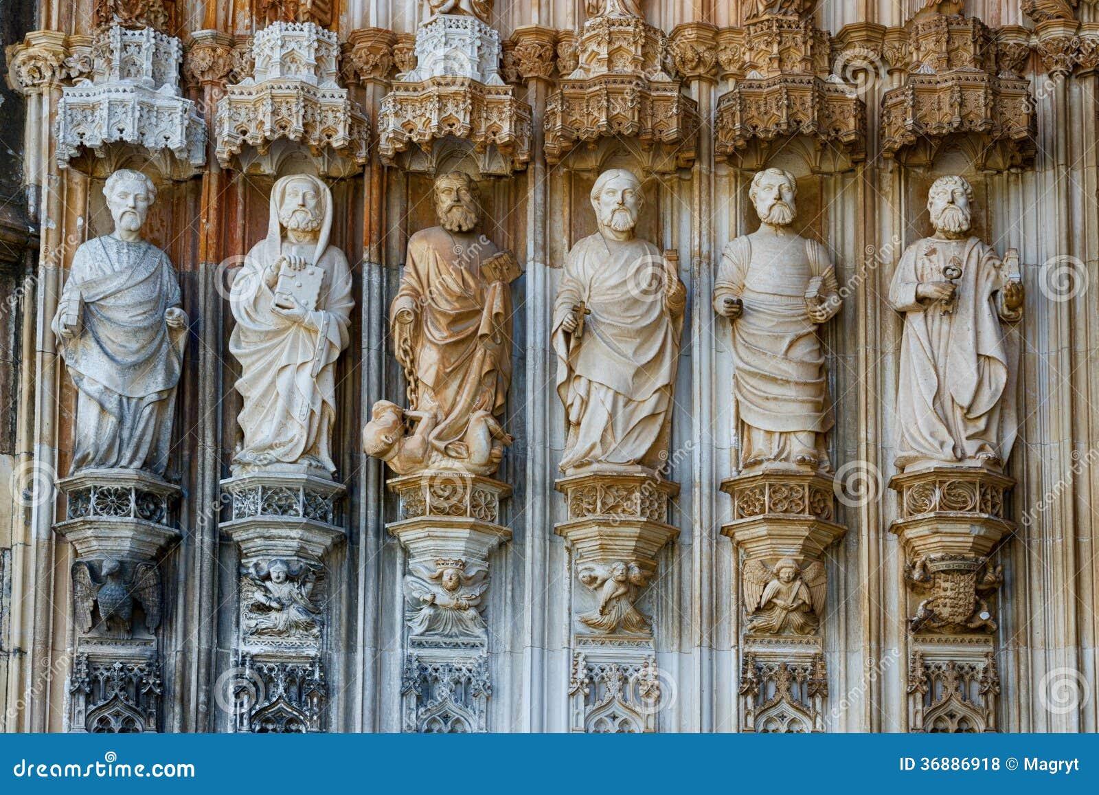 Download Statue dei san fotografia stock. Immagine di struttura - 36886918