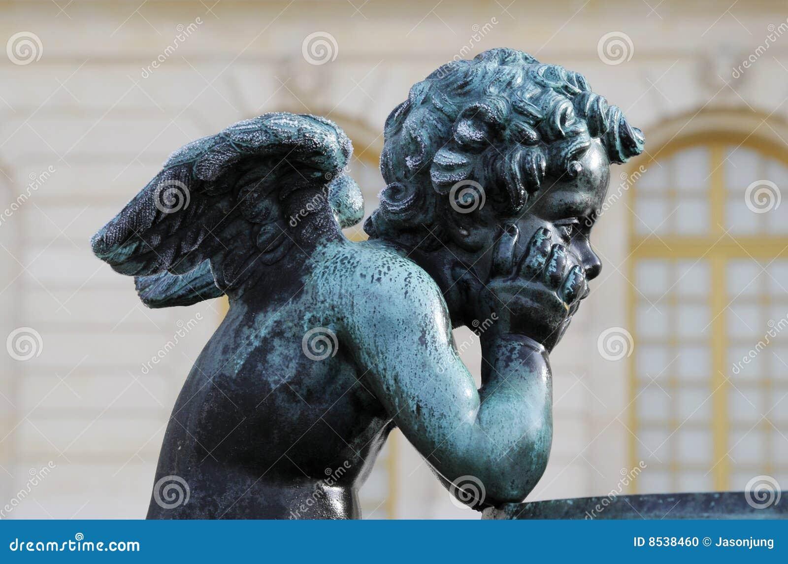 Statue dell angelo