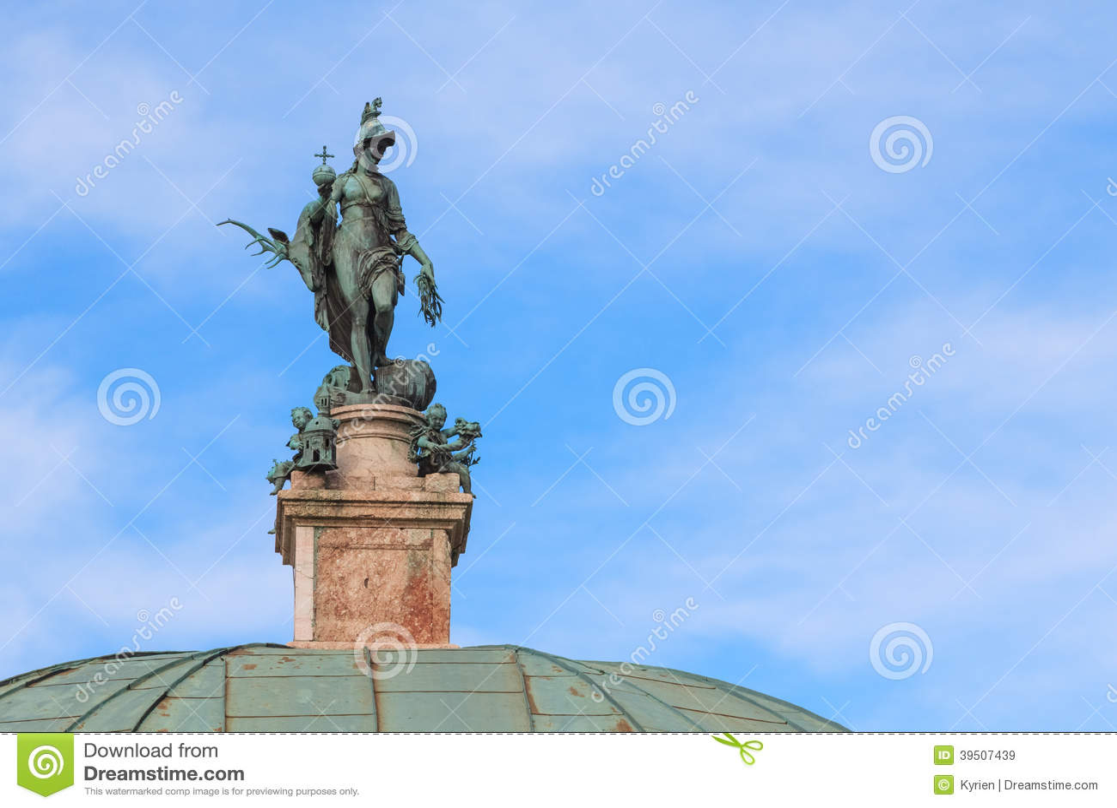 Statue der Göttin der Jagd, Diana in Hofgarten, München