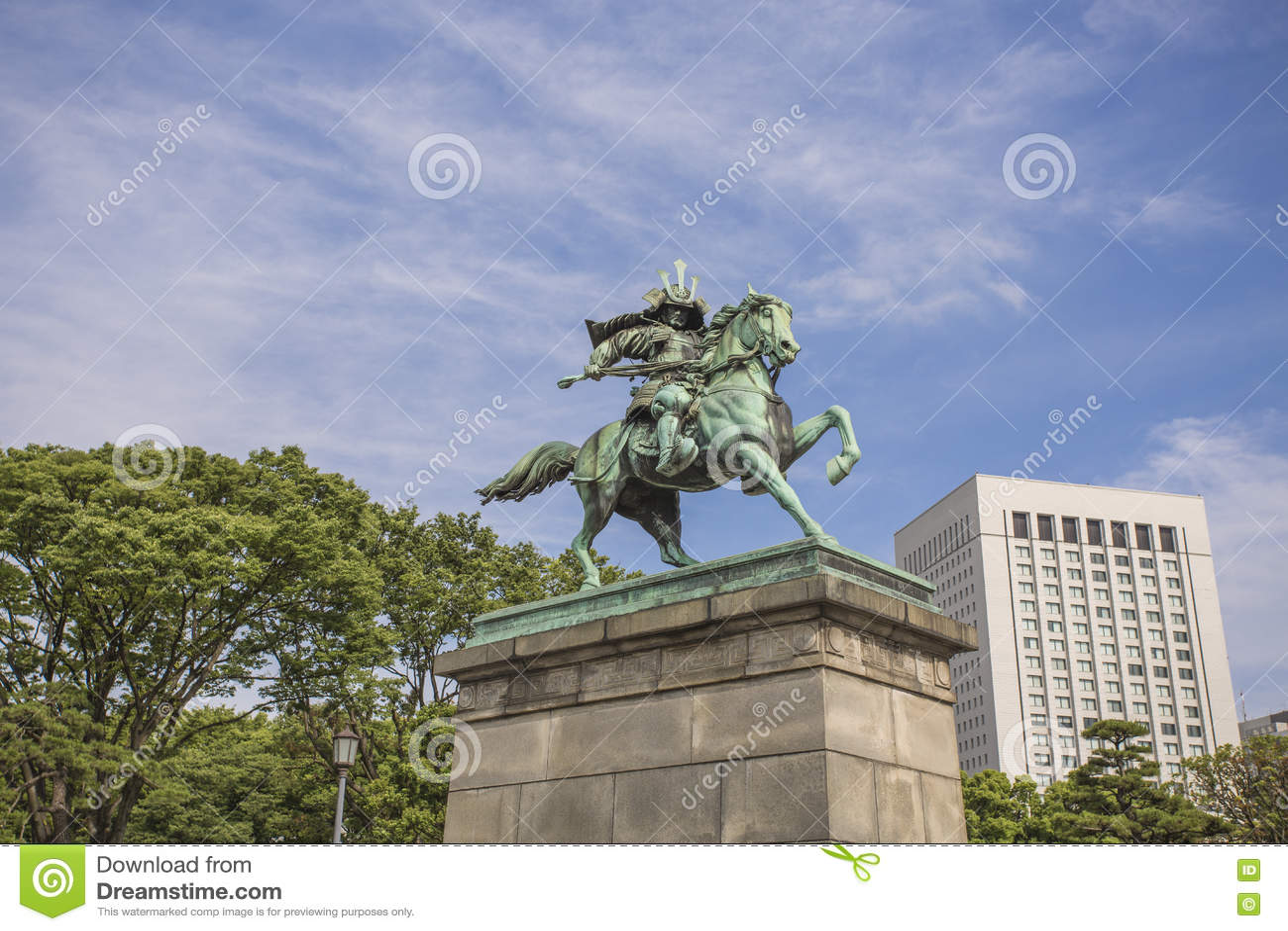 Statue der großen Samurais Kusunoki Masashige im Ost-Garde