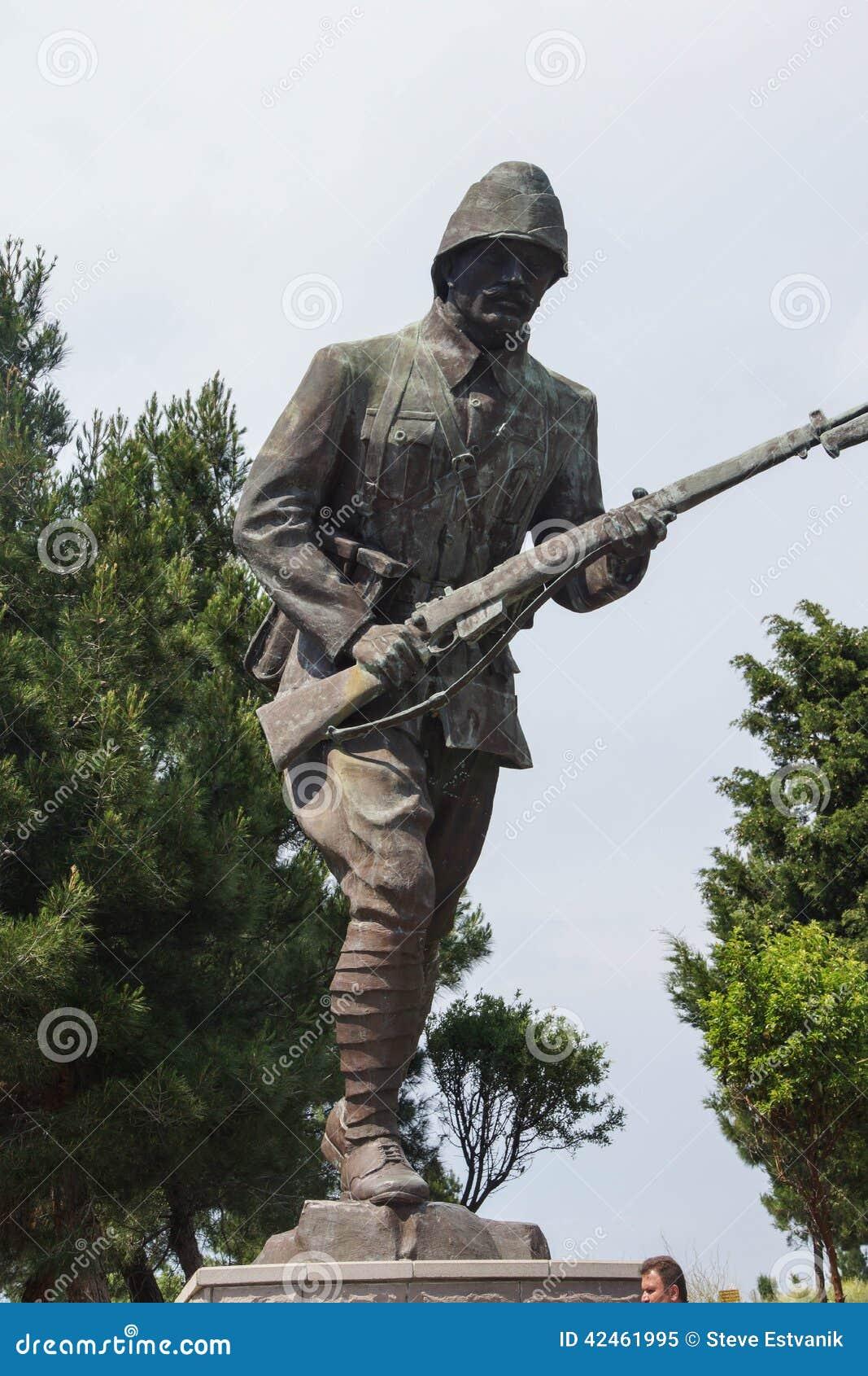 Statue des türkischen Infanteriemannes