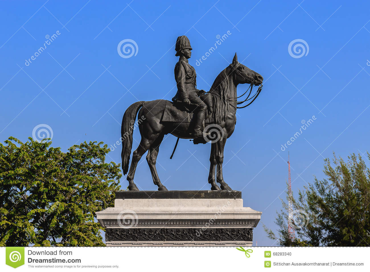 Statue Du Roi Rama V Photo stock - Image: 68283340