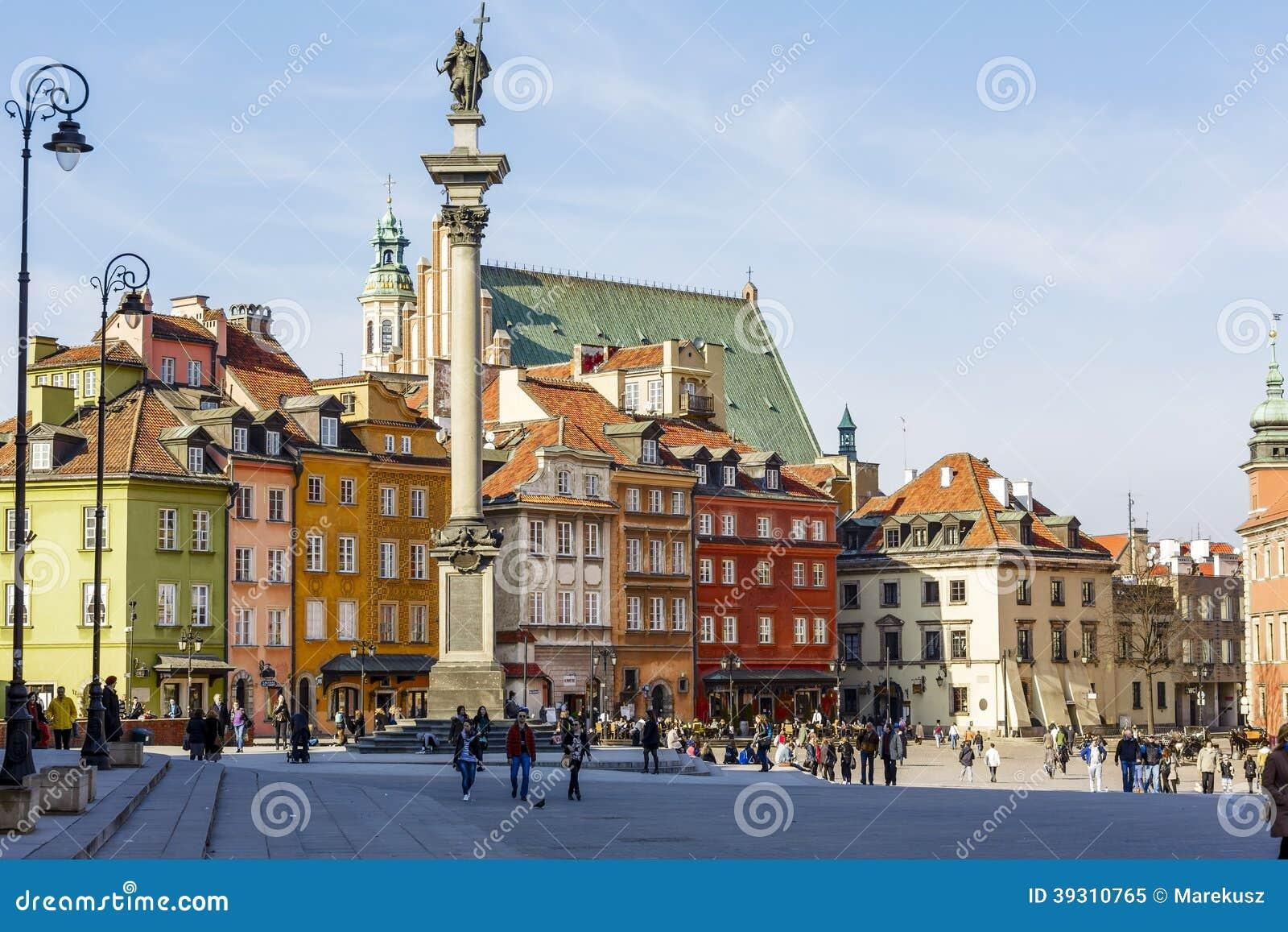 Statue du Roi Zygmunt III Waza et place de château