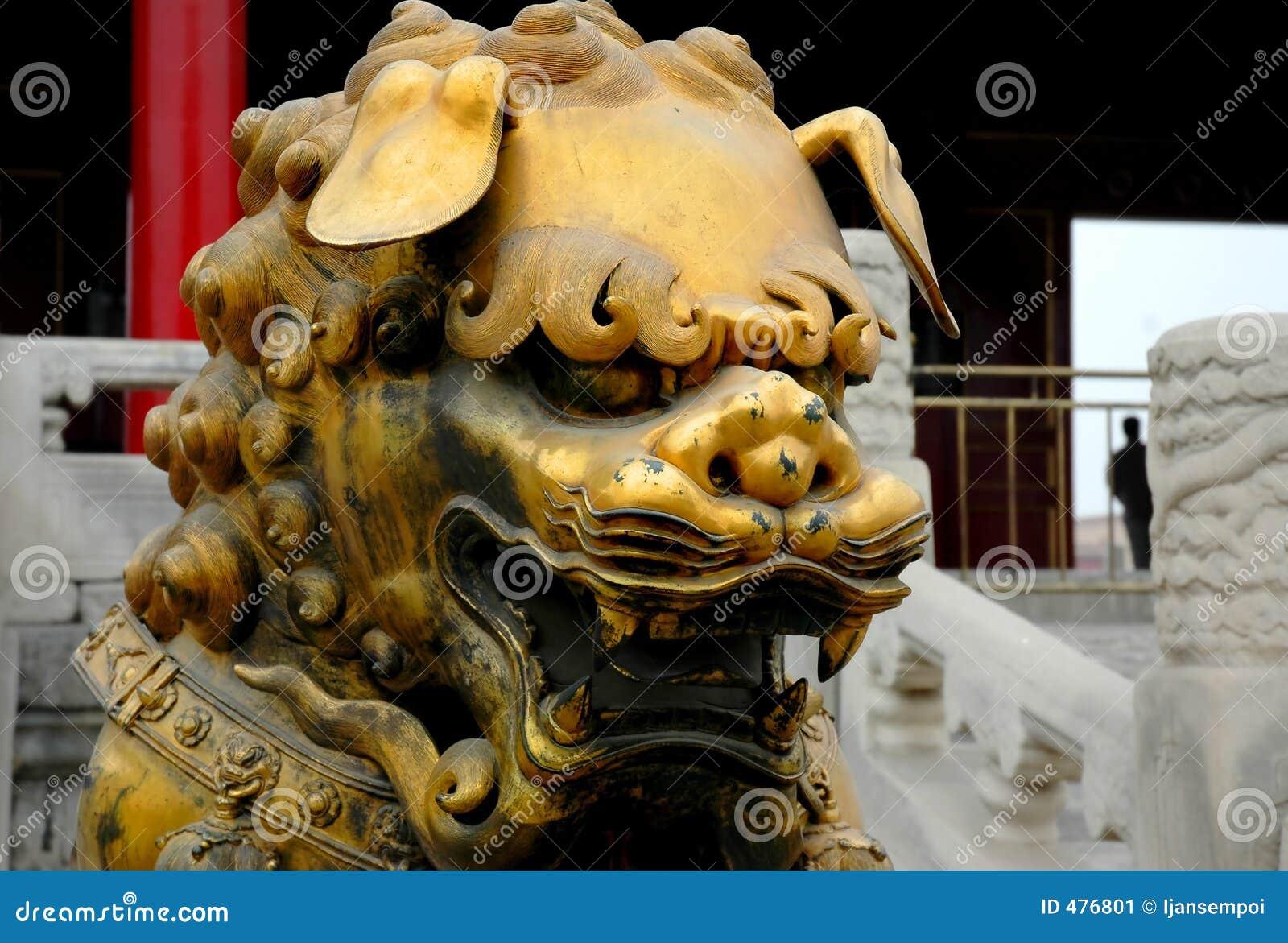 Statue en bronze de lion