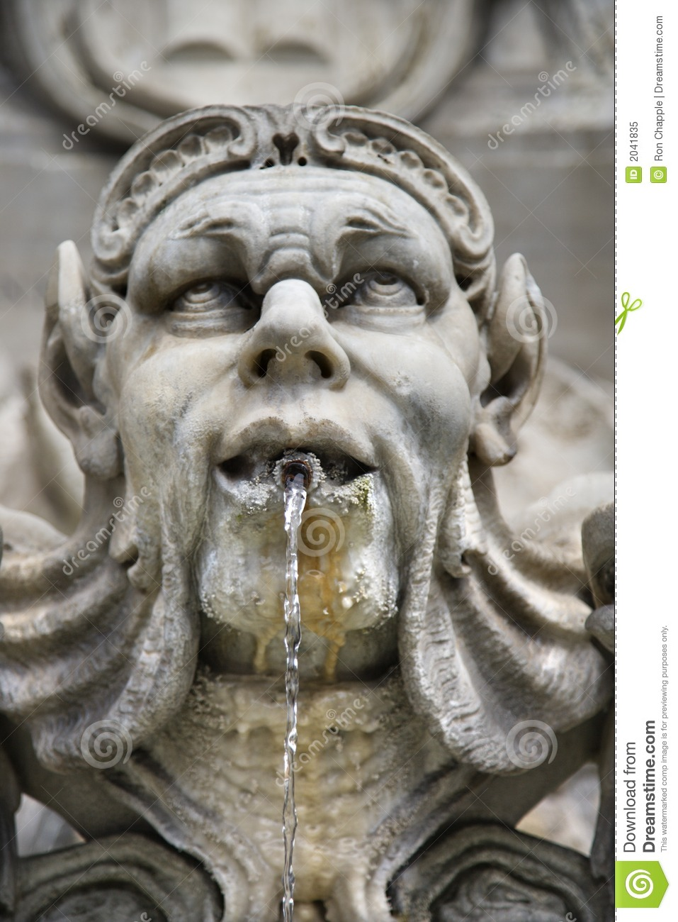 Water fountains with statues - Statue Fountain In Rome Italy