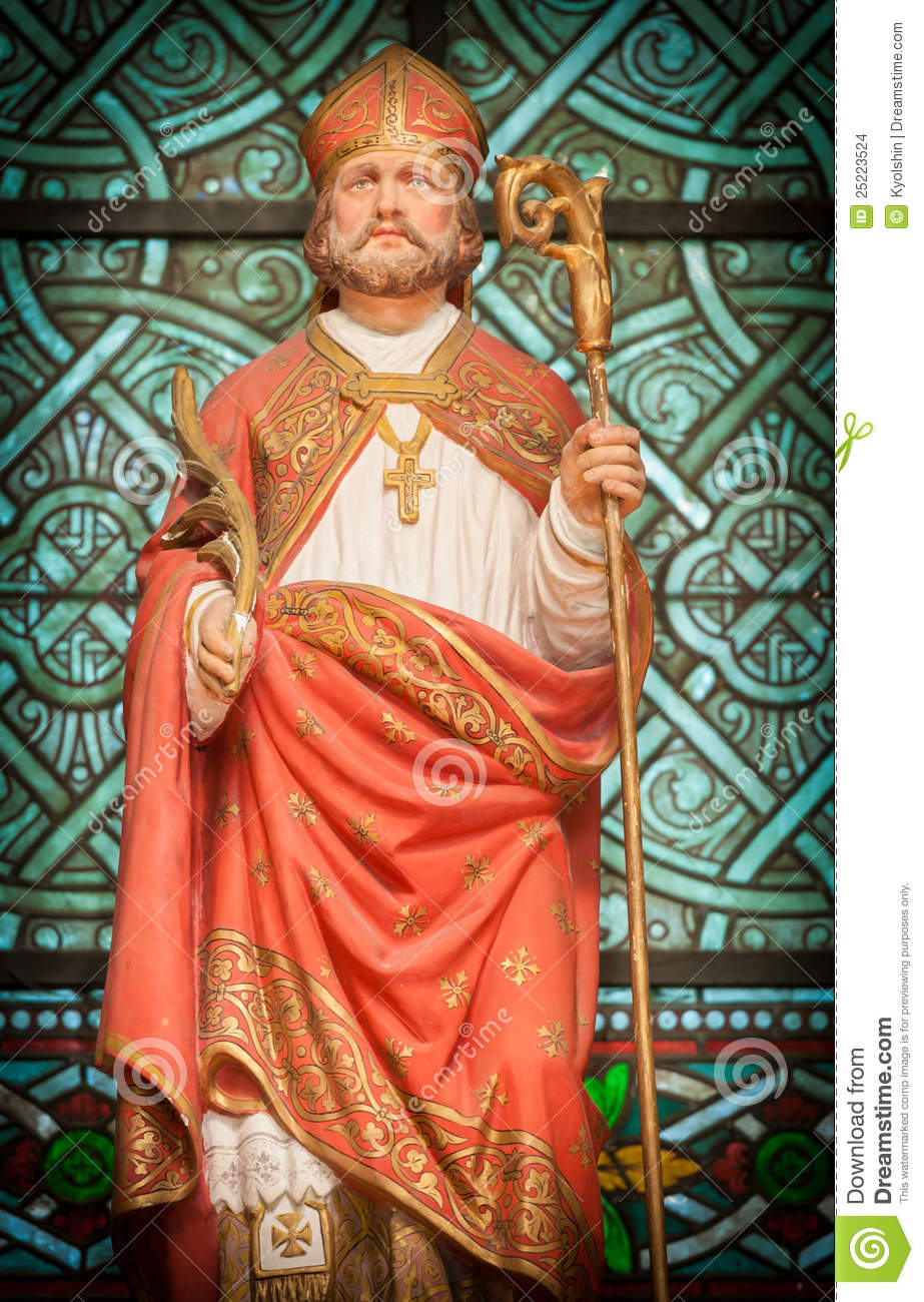 Statue of high priest stock images image 25223524 for Stock cuisine saint priest