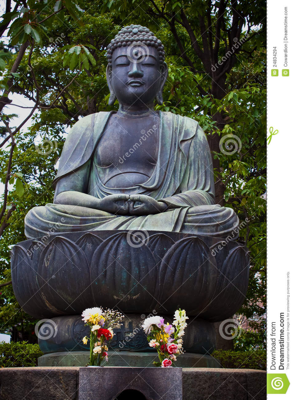 statue japonaise de bouddha images stock image 24834294. Black Bedroom Furniture Sets. Home Design Ideas