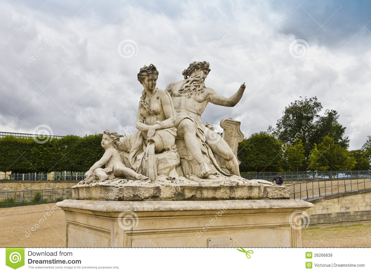 A statue in jardin des tuileries royalty free stock - Statues jardin des tuileries ...