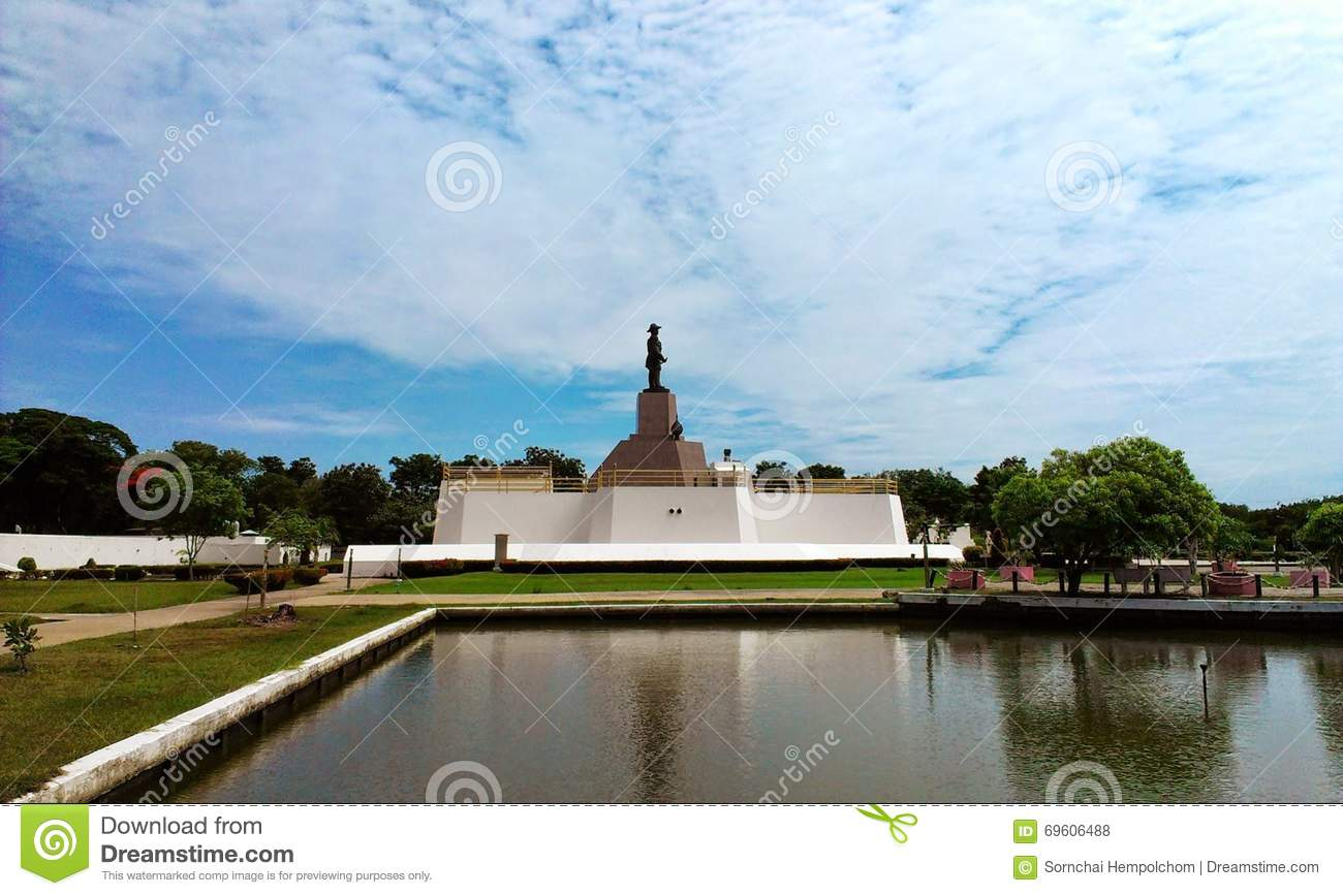 Statue Of King Rama V View Editorial Stock Photo - Image ...