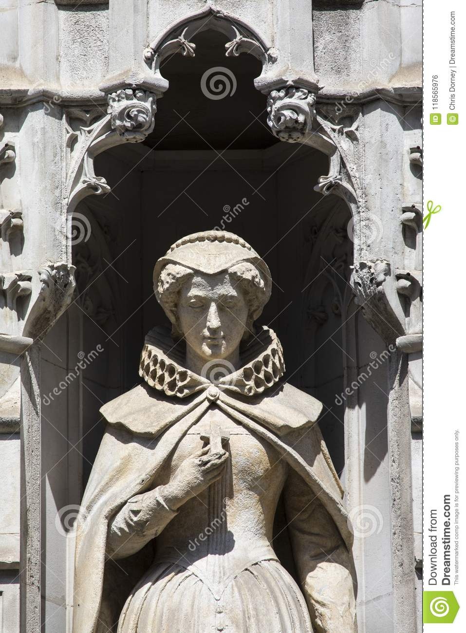 Mary Queen Of Scots Statue In London Editorial Photo Image Of