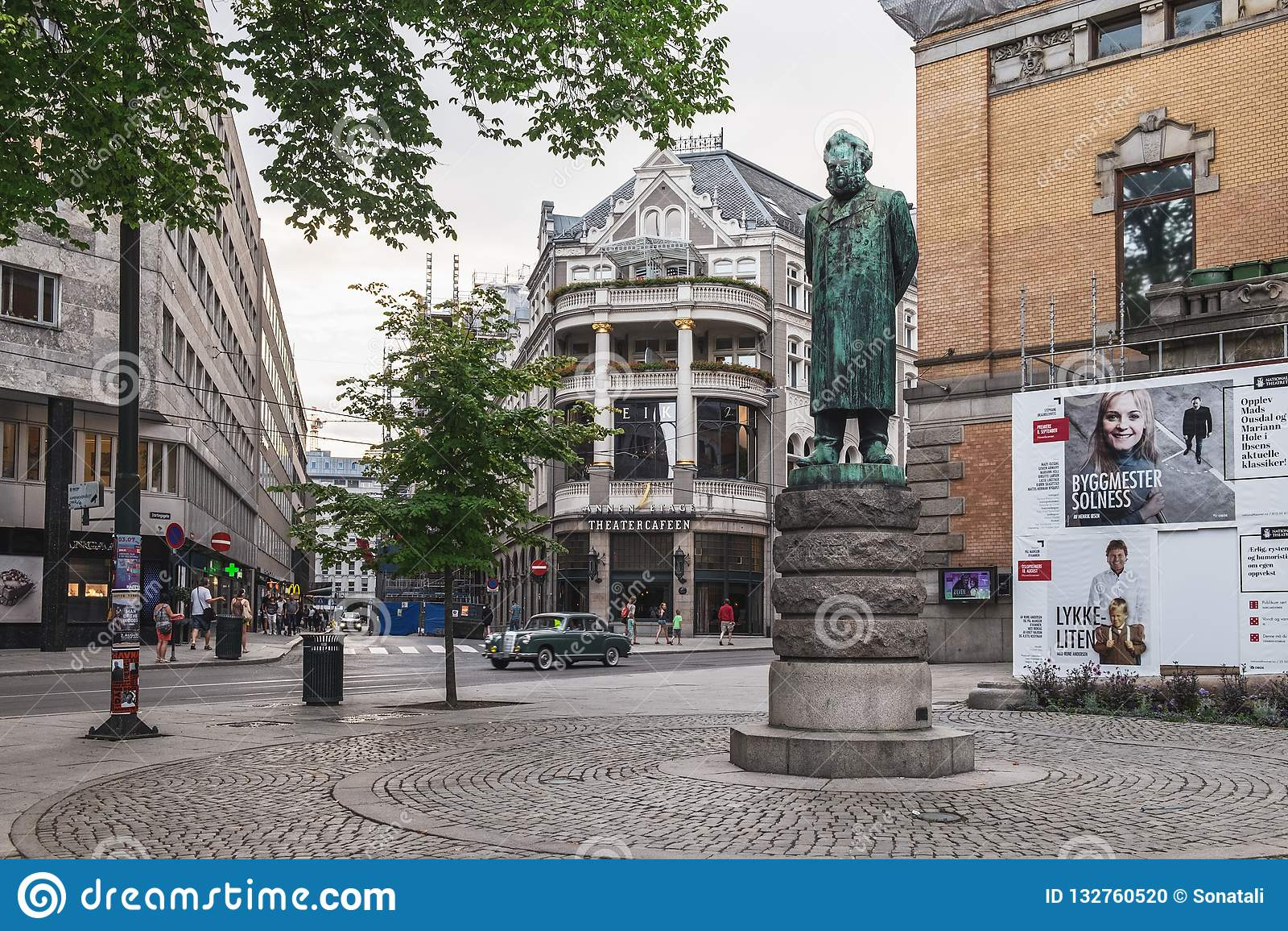 Statue nahe nationalem Theater in Oslo, Norwegen