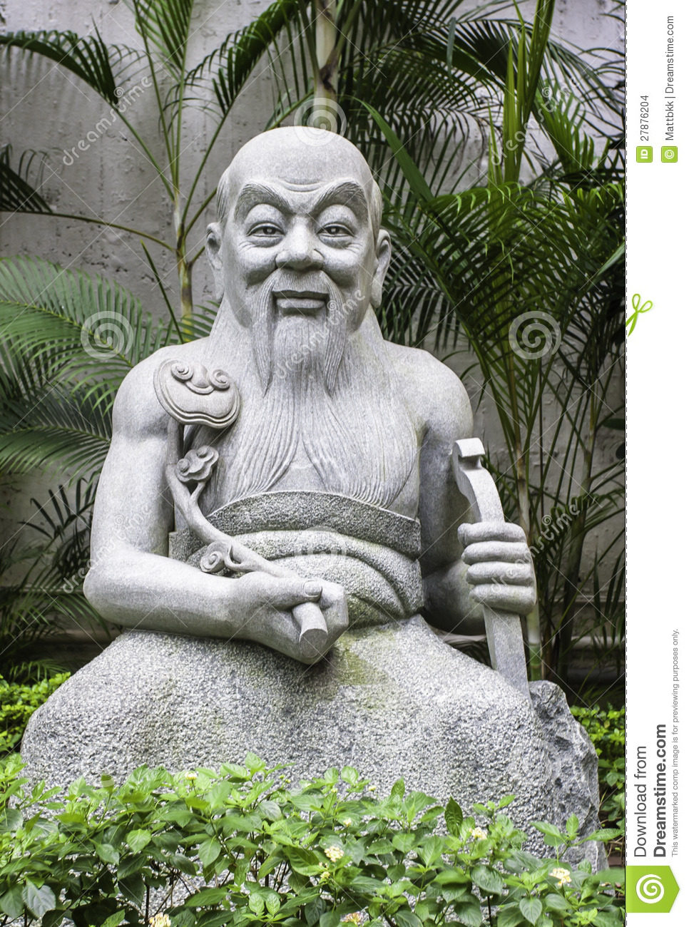 Old Garden Statue: Statue Of Old Chinese Man In Garden, Hong Kong Stock Photo