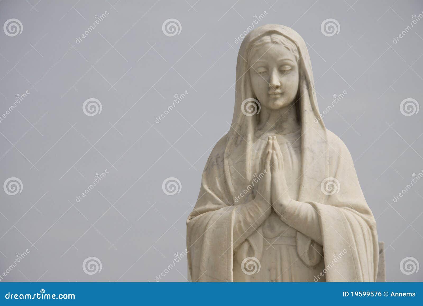 Statue Of Praying Holy Mary Royalty Free Stock Image - Image: 19599576