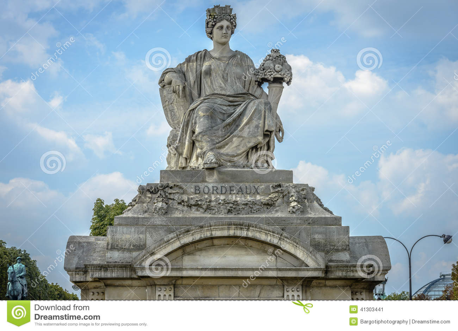 Plaza De La Concordia statue representing bordeaux, place de la concorde, paris