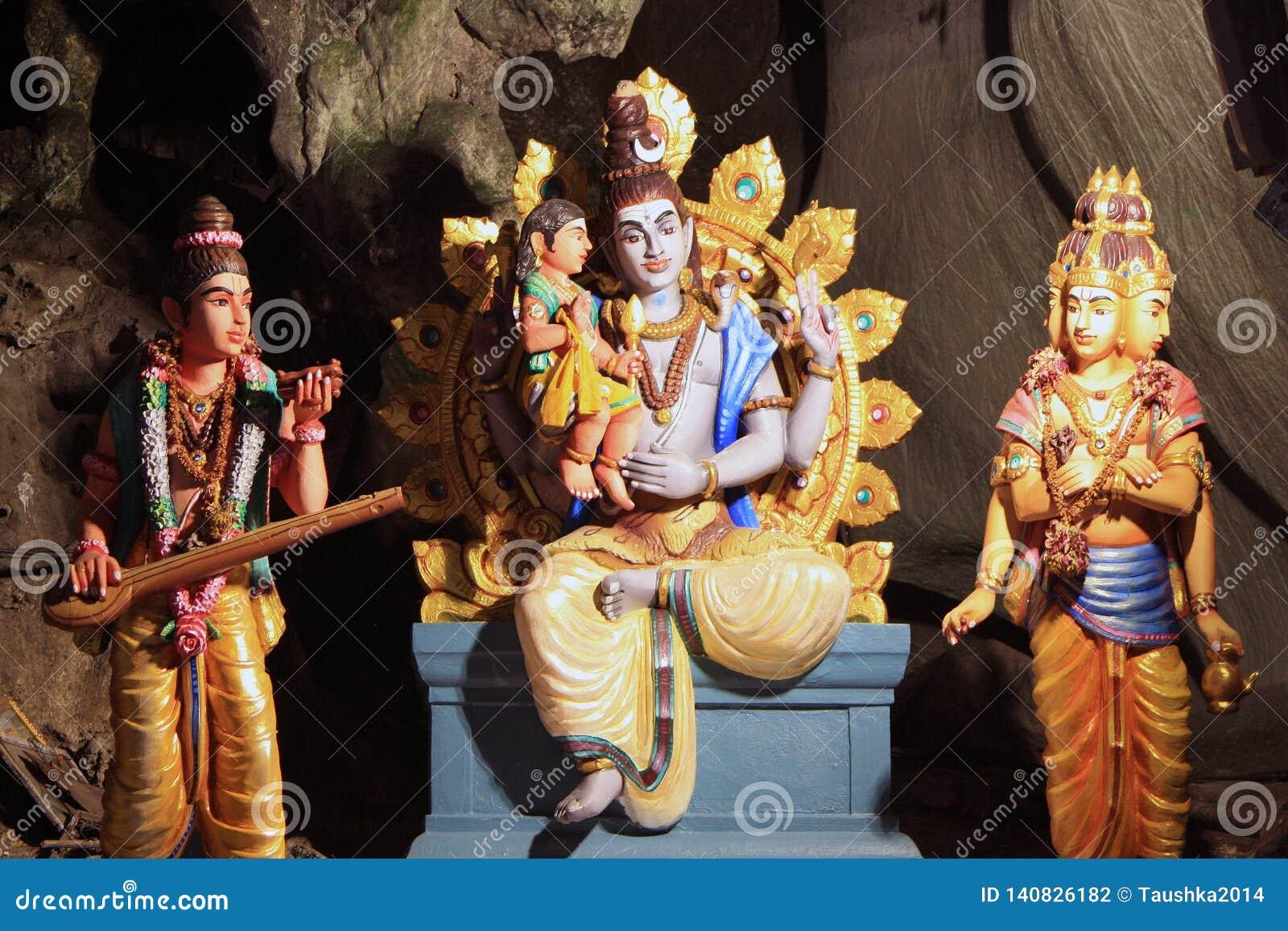Statue tradizionali di Dio indù in caverna di Batu, Kuala Lumpur, Malesia