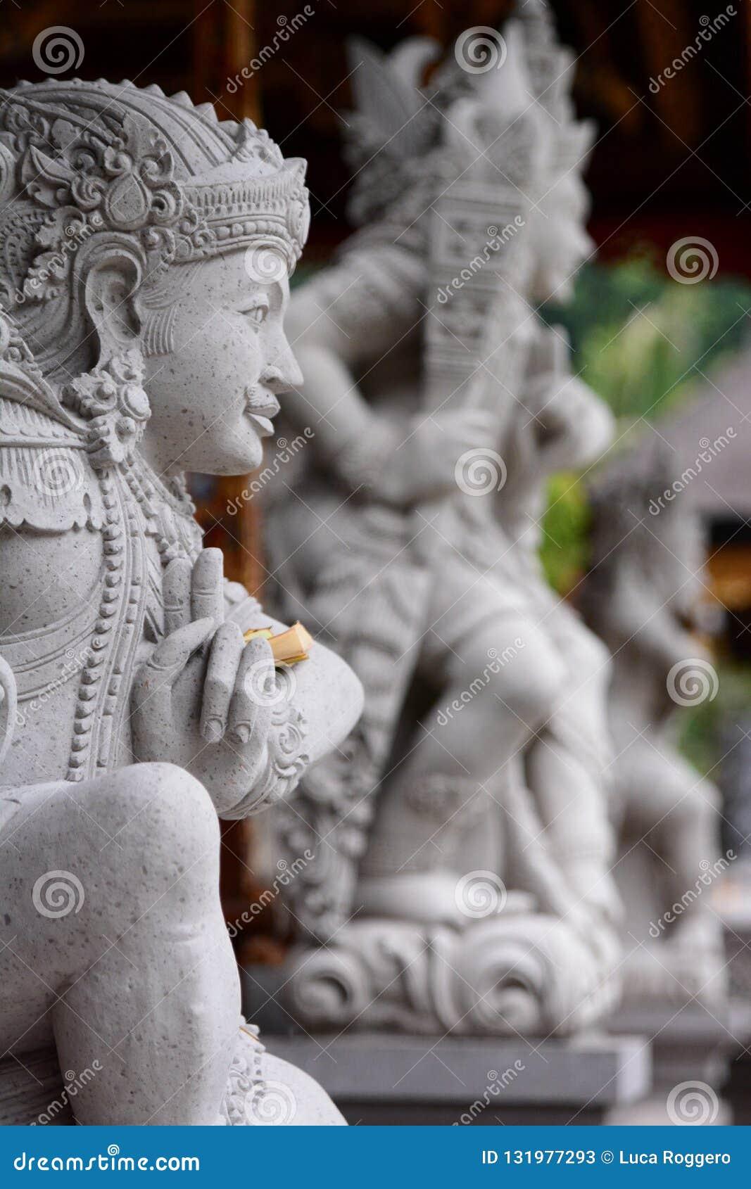 Statue tradizionali Tirta Empul Tampaksiring Reggenza di Gianyar bali l indonesia