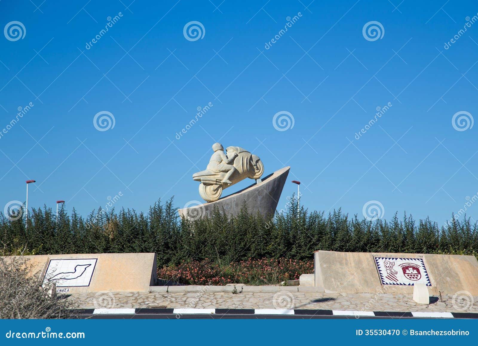 Circuito Ricardo Tormo : Statue tribute to ricardo tormo spanish motorcycle pilot
