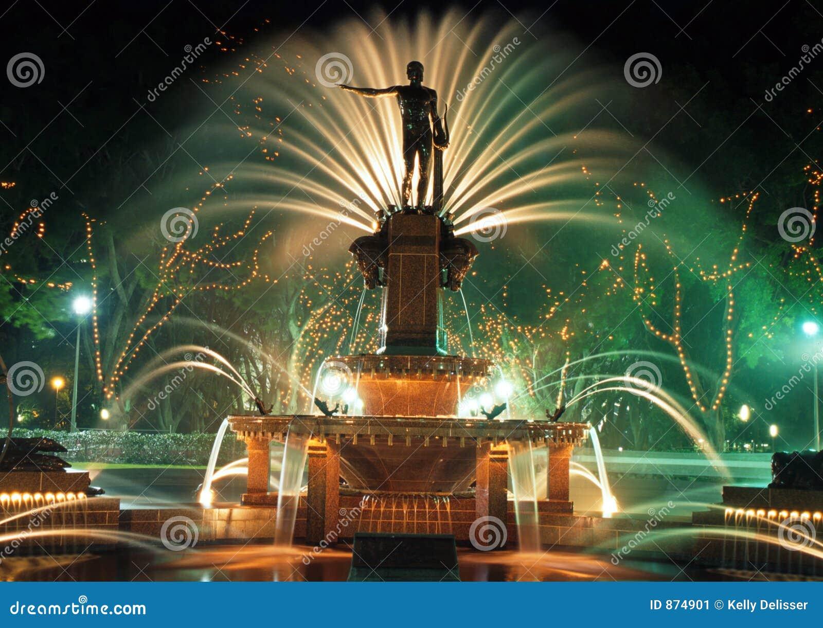 Statue und Brunnen