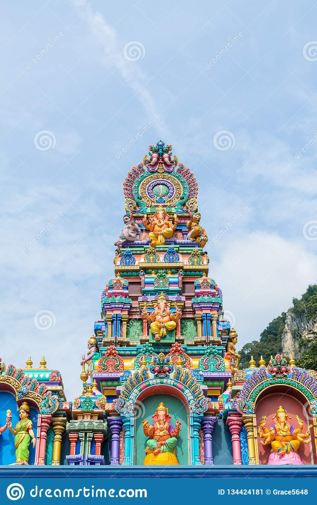 Statue variopinte alle caverne tempio, Kuala Lumpur Malaysia di Batu