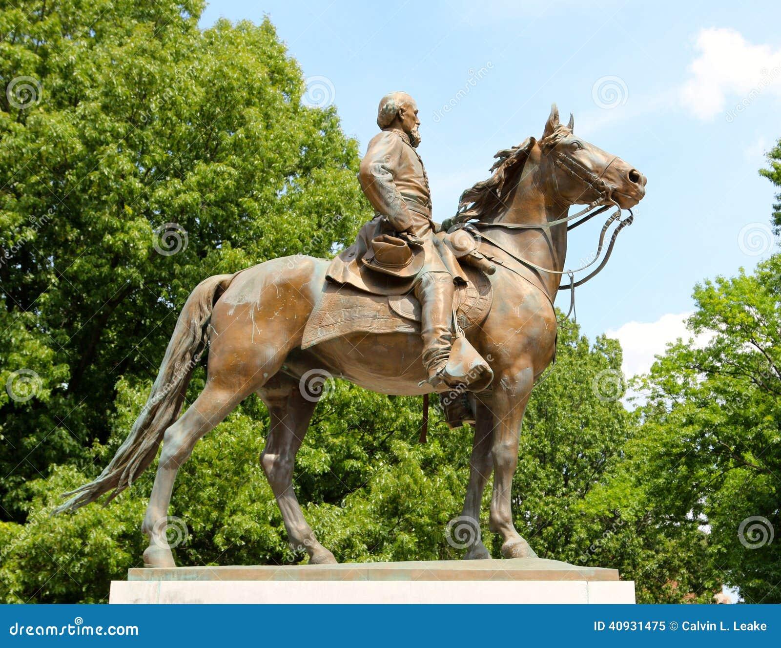 Statue von Nathan Bedford Forrest auf einem Schlachtross, Memphis Tennessee