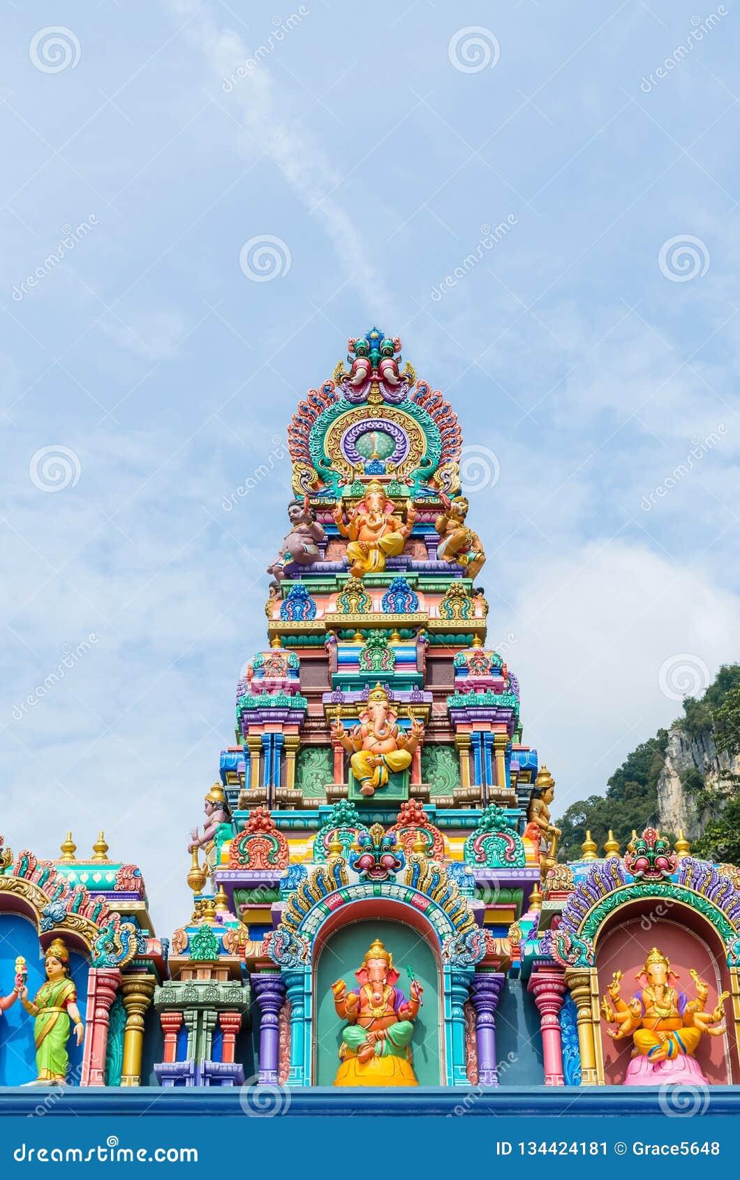Statues colorées aux cavernes temple, Kuala Lumpur Malaysia de Batu