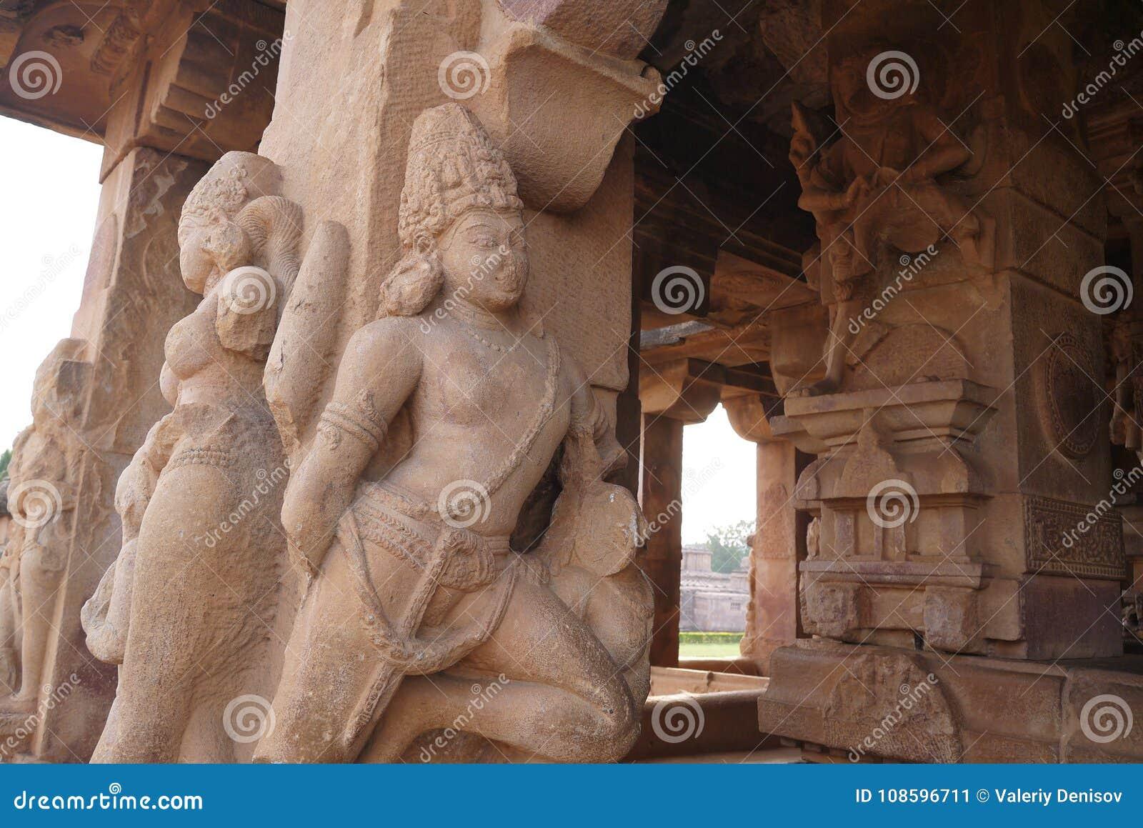 Statues The Decorating Columns Stock Image - Image of travel, vishnu ...