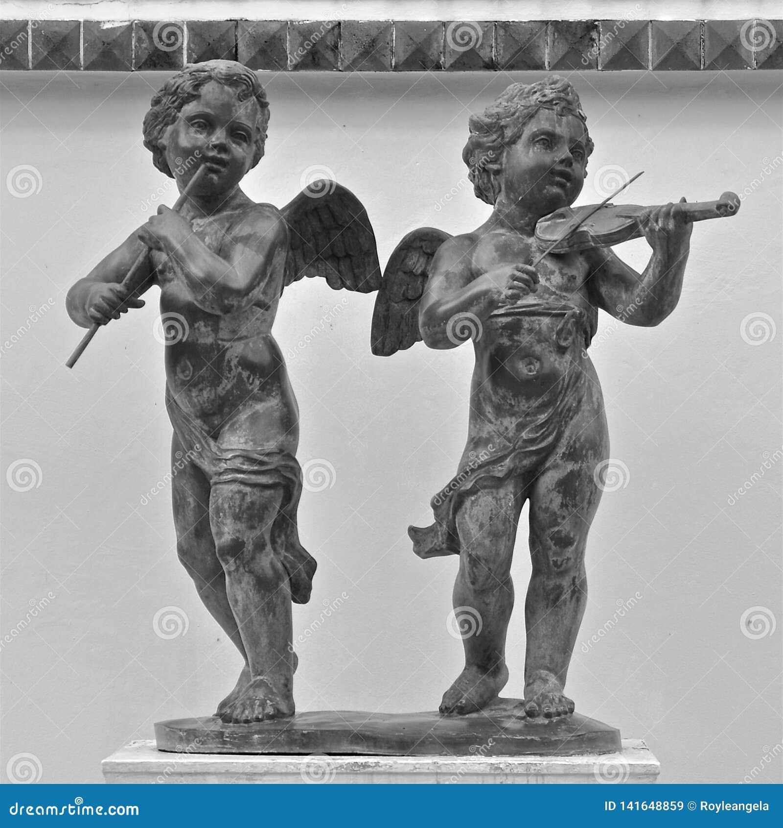 Statues des musiciens d ange