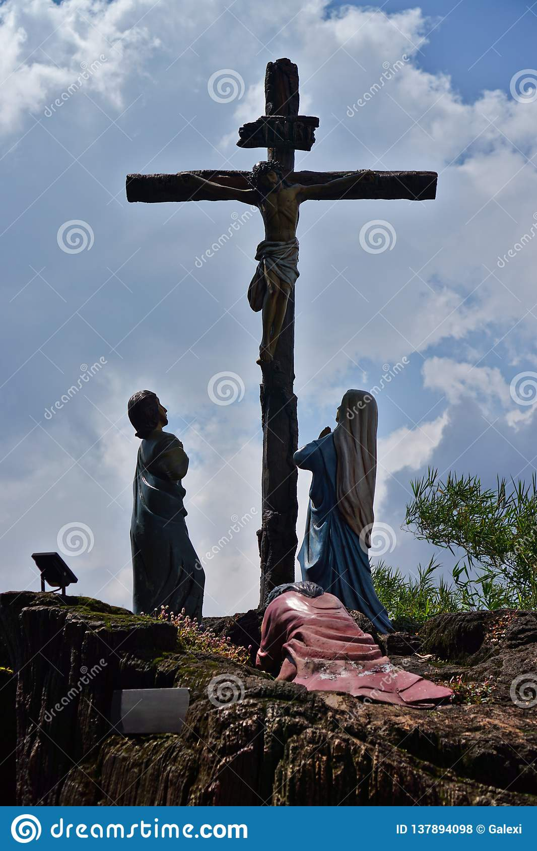Statues of Jesus crucified