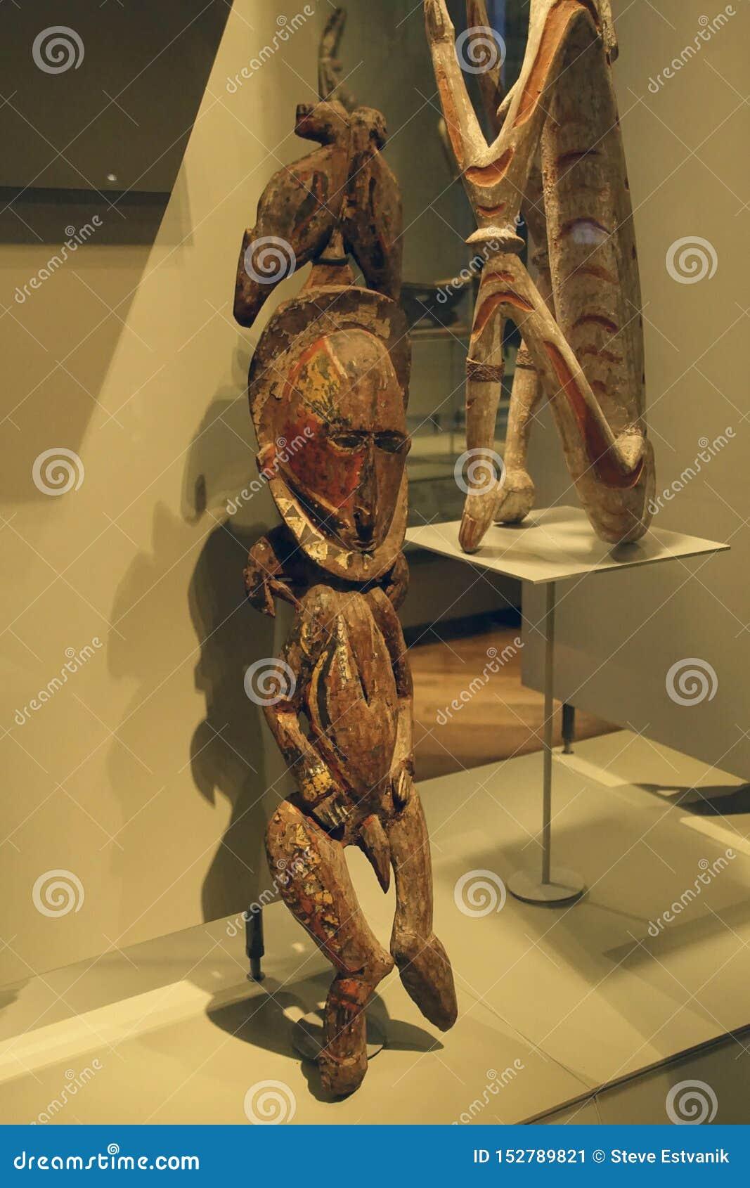 Statues rituelles des ancêtres