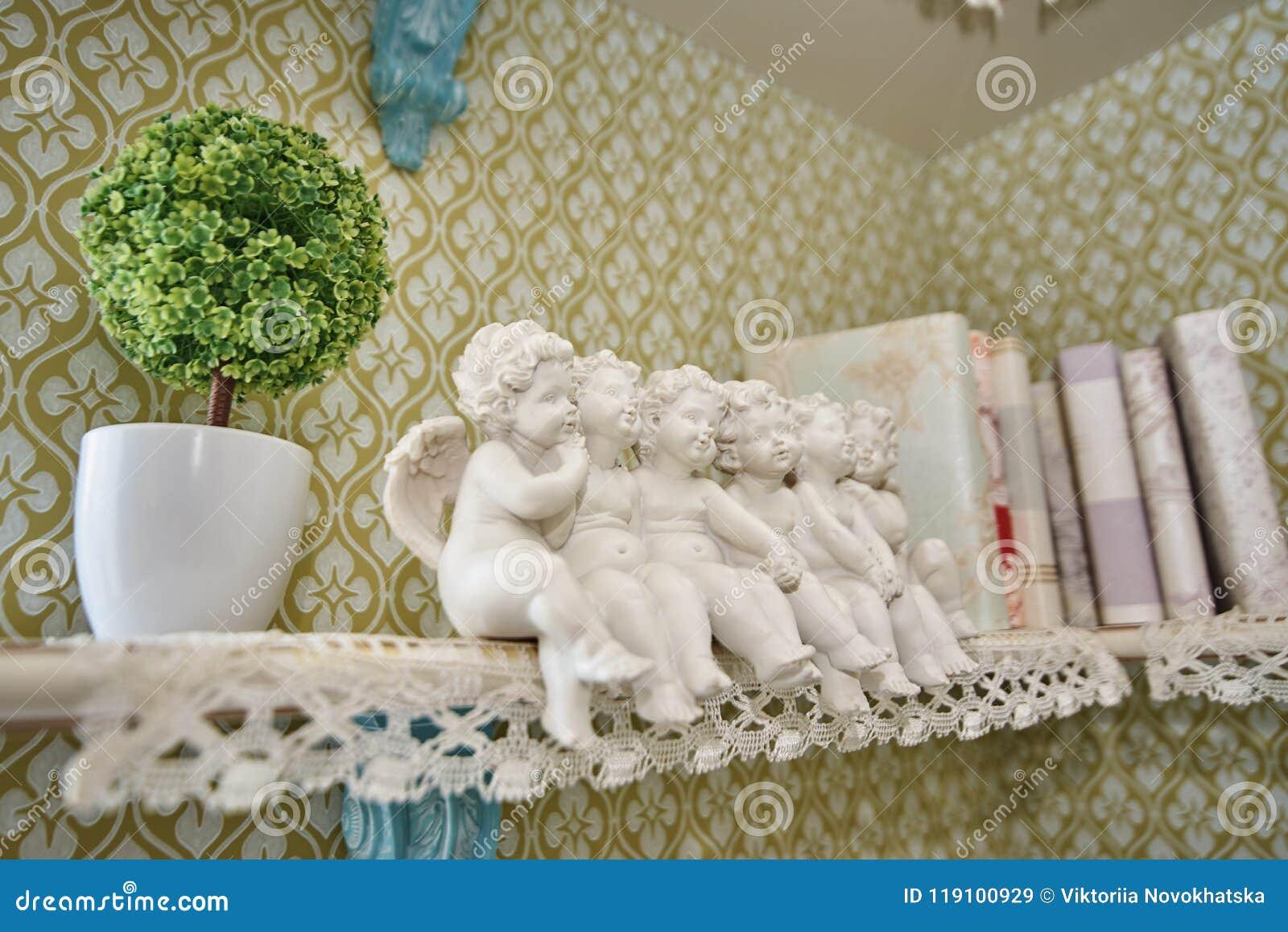 A statuette of little cute angels