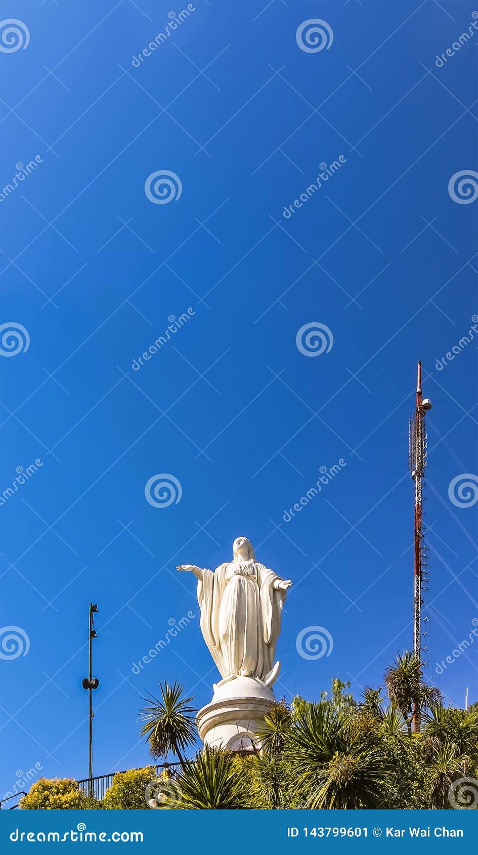 Staty av den obefläckade befruktningen på San Cristobal Hill, Santiago, Chile
