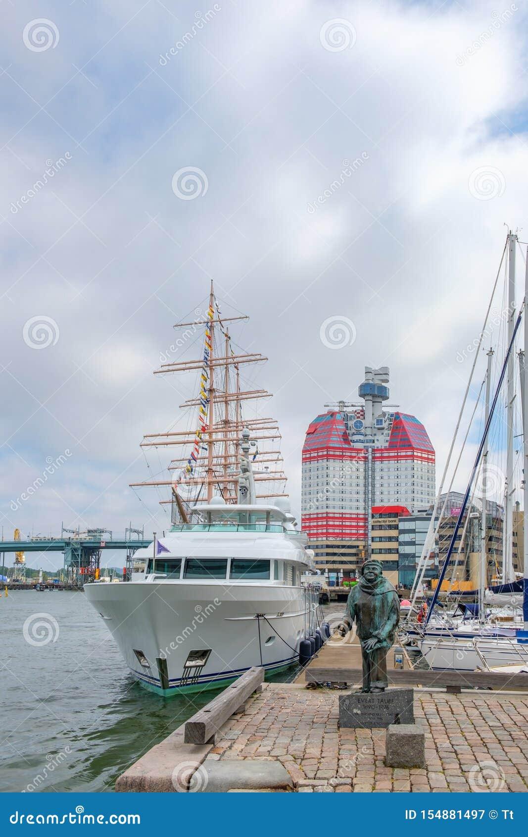 Staty och fartyg på hamnen i Göteborg, Sverige
