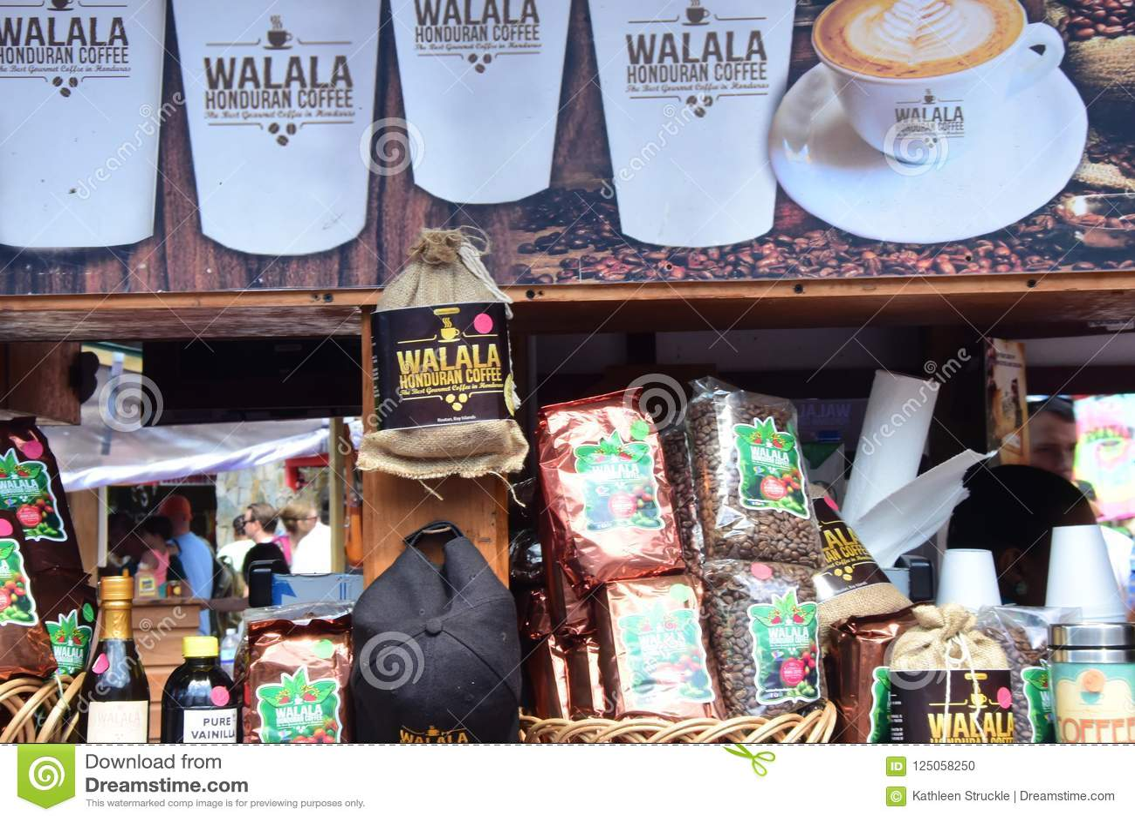 Statywowi sprzedawanie produkty w Casta majowiu Meksyk