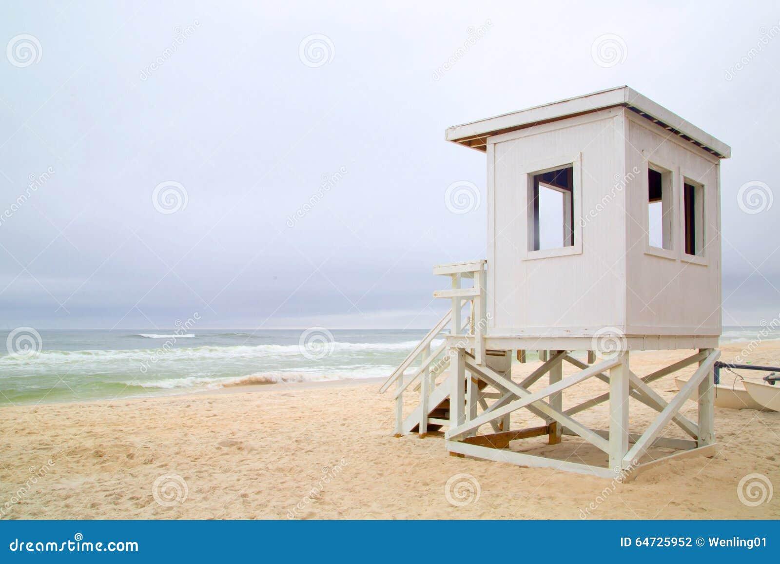 Stazione della guardia di vita sulla spiaggia