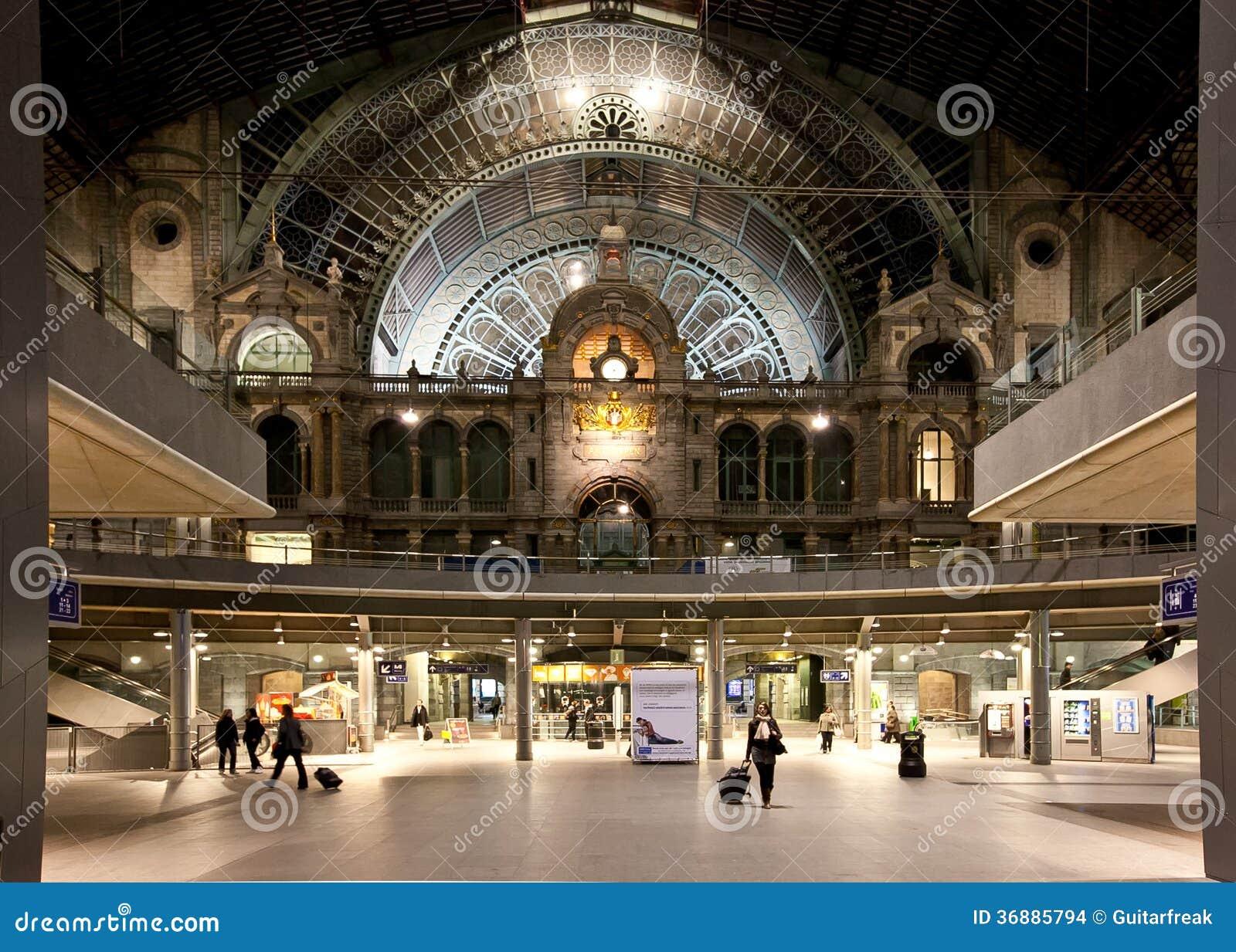 Download Stazione ferroviaria fotografia stock. Immagine di metro - 36885794
