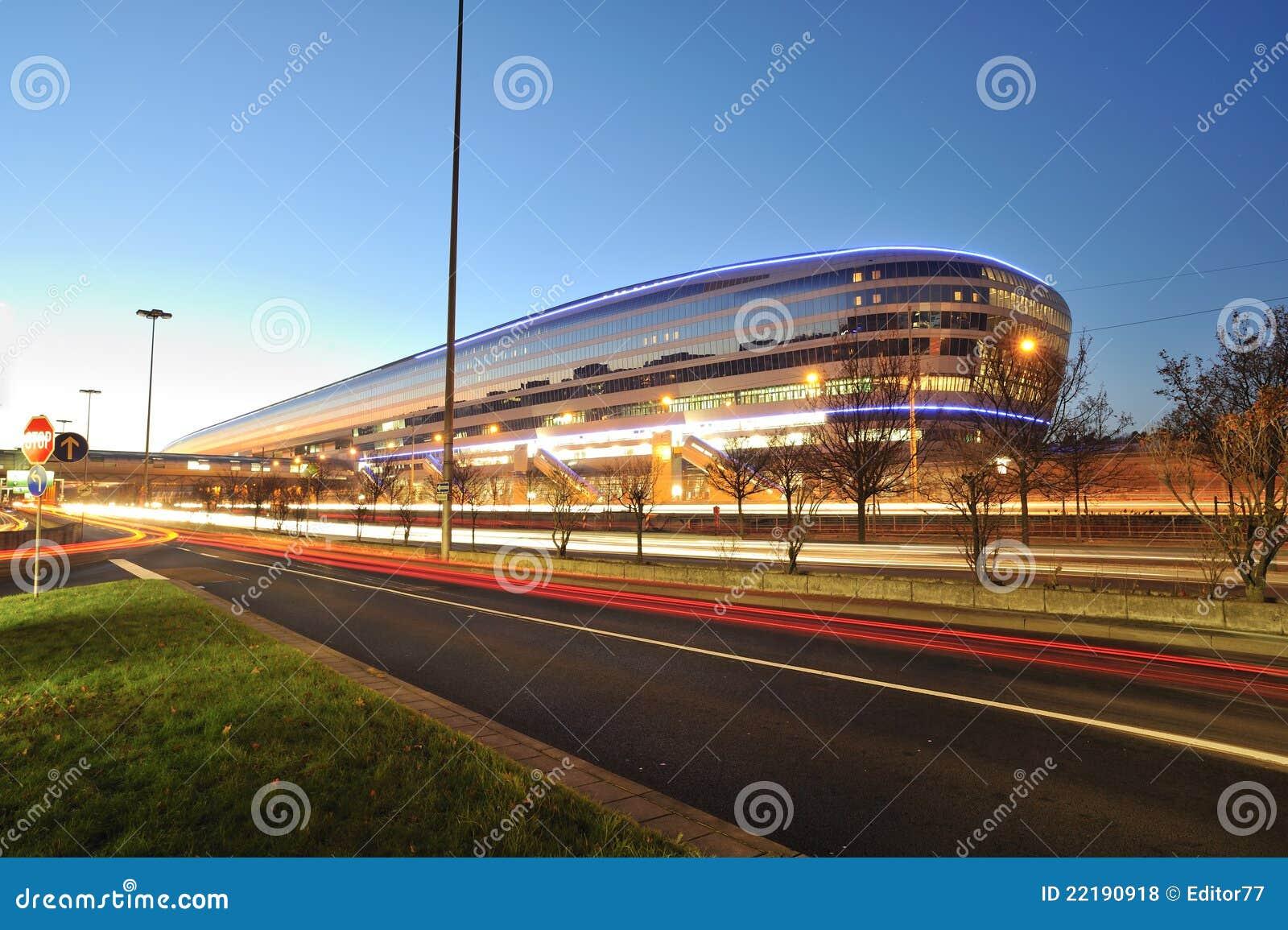 Aeroporto Germania : Stazione ferroviaria dell aeroporto di francoforte nella