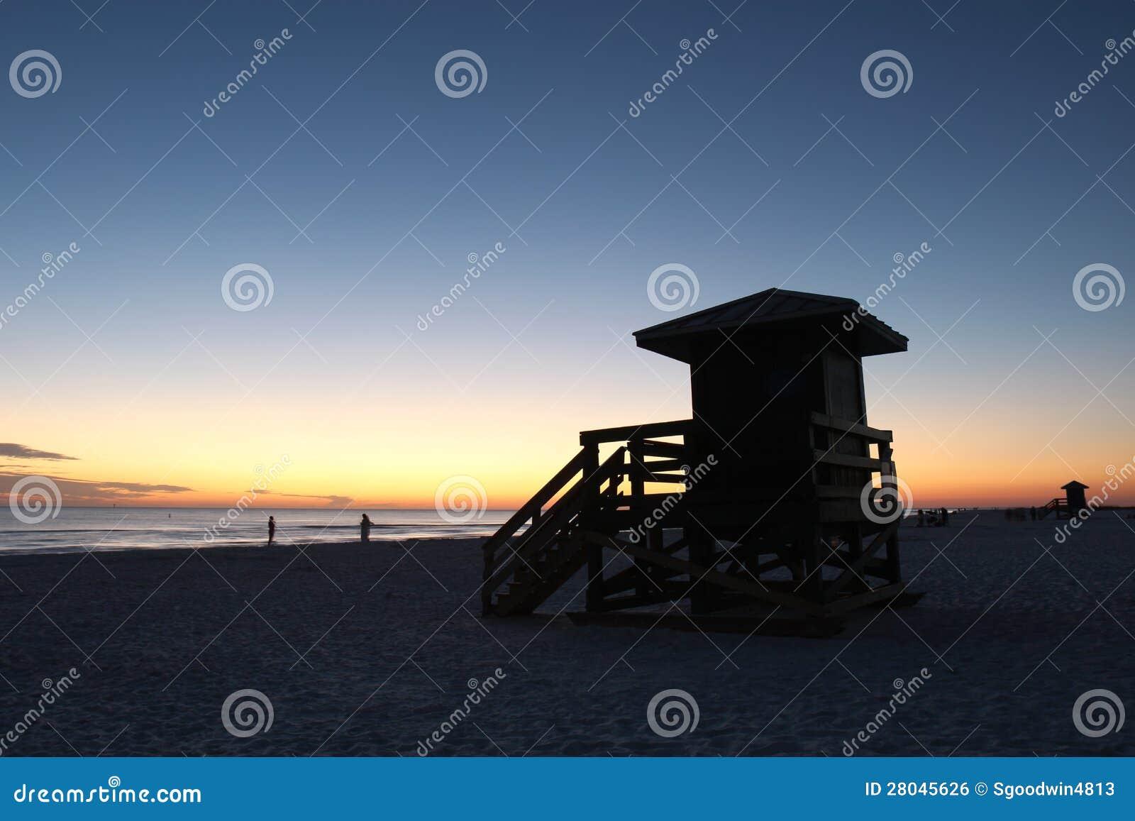 Stazione sul tasto di siesta, Florida di Lifegaurd al tramonto