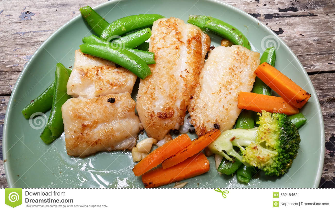 Steak fish with vegetables stock photo image 58218462 for What vegetables go with fish