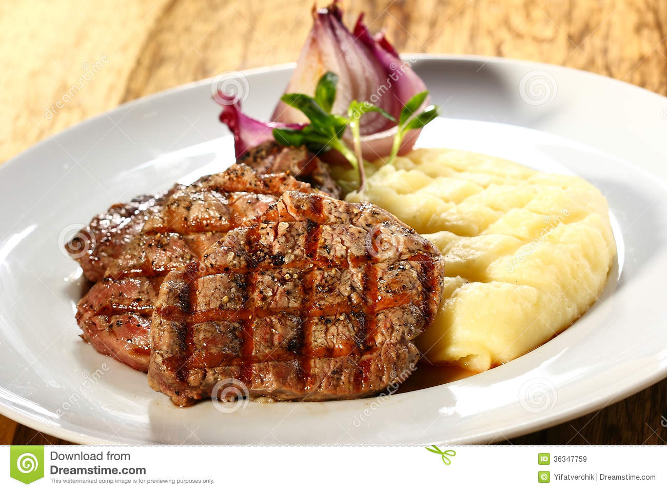 Steak And Mashed Potatoes Royalty Free Stock Images - Image: 36347759