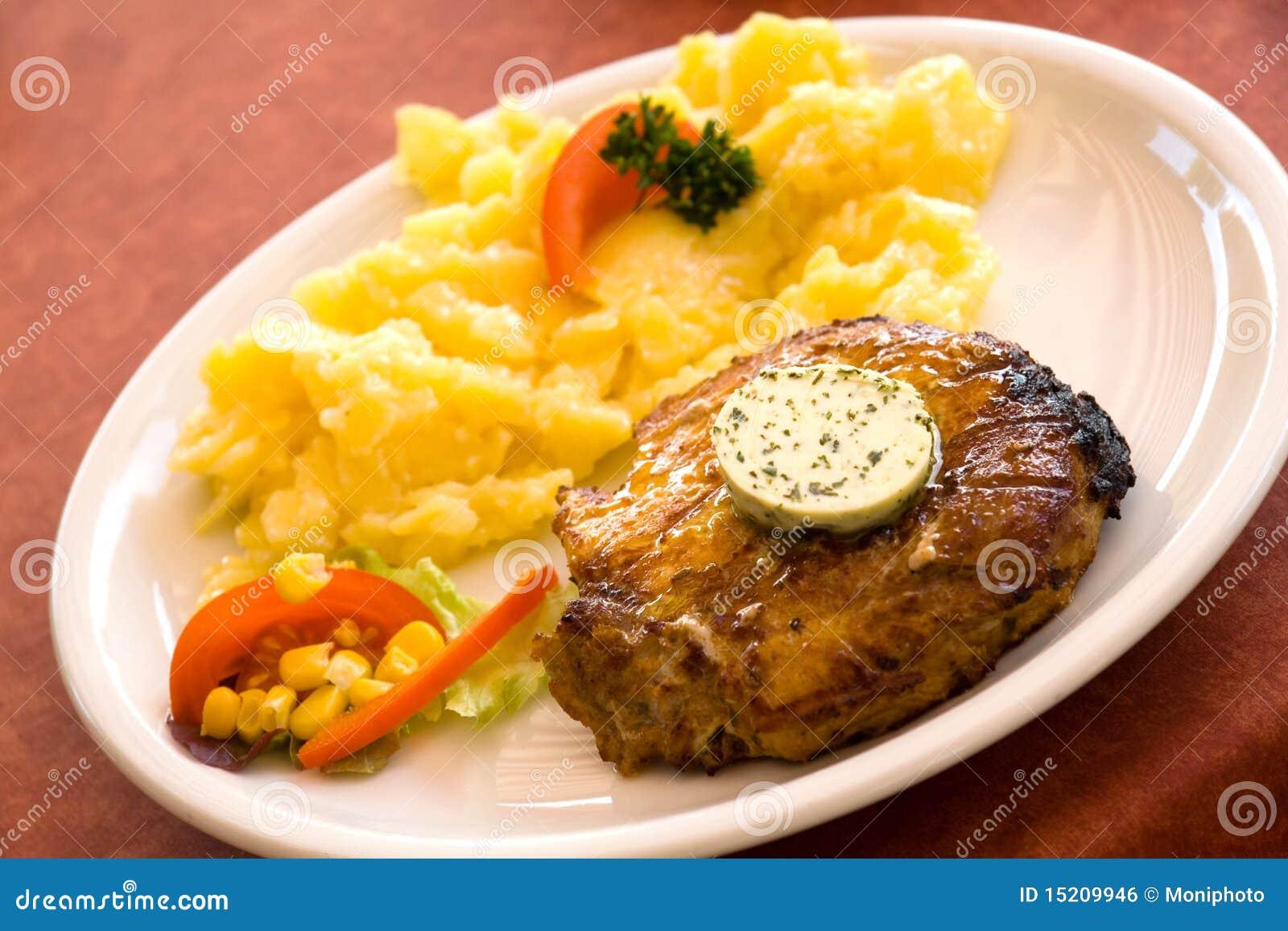 steak von schweinefleisch grillen mit salat der kartoffeln lizenzfreies stockbild bild 15209946. Black Bedroom Furniture Sets. Home Design Ideas