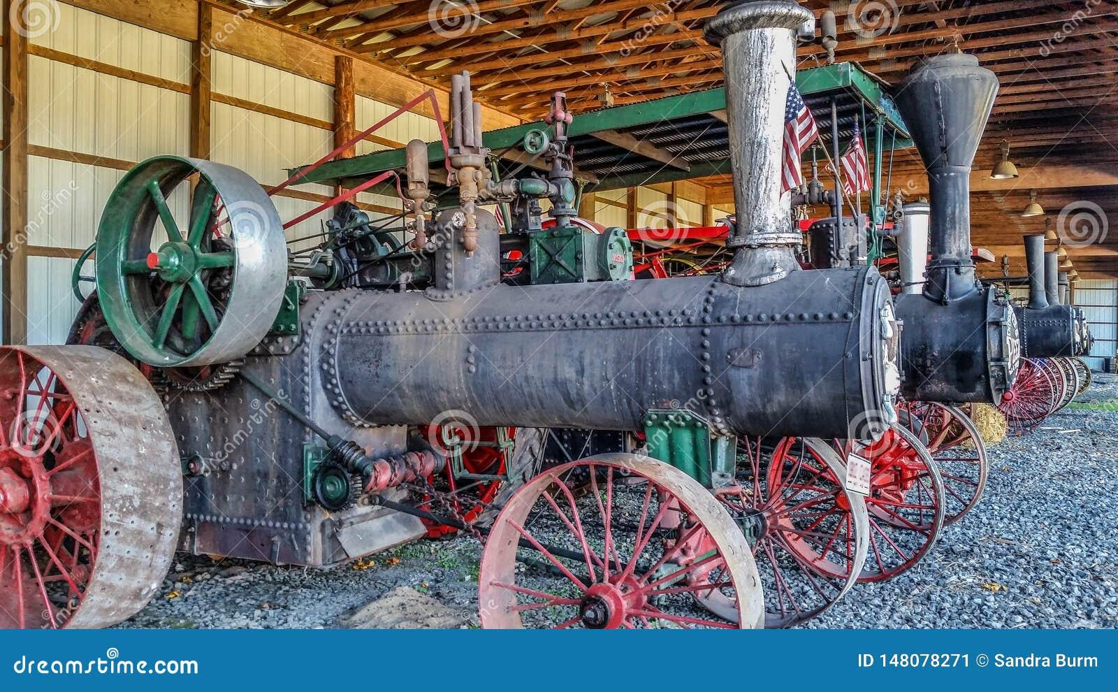 Steam threshers on display