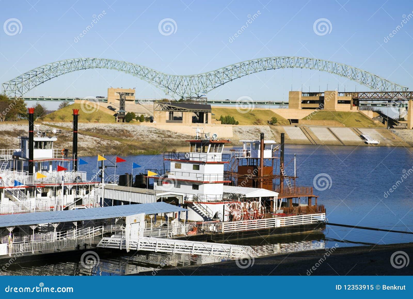 Steamboats em Mississipi
