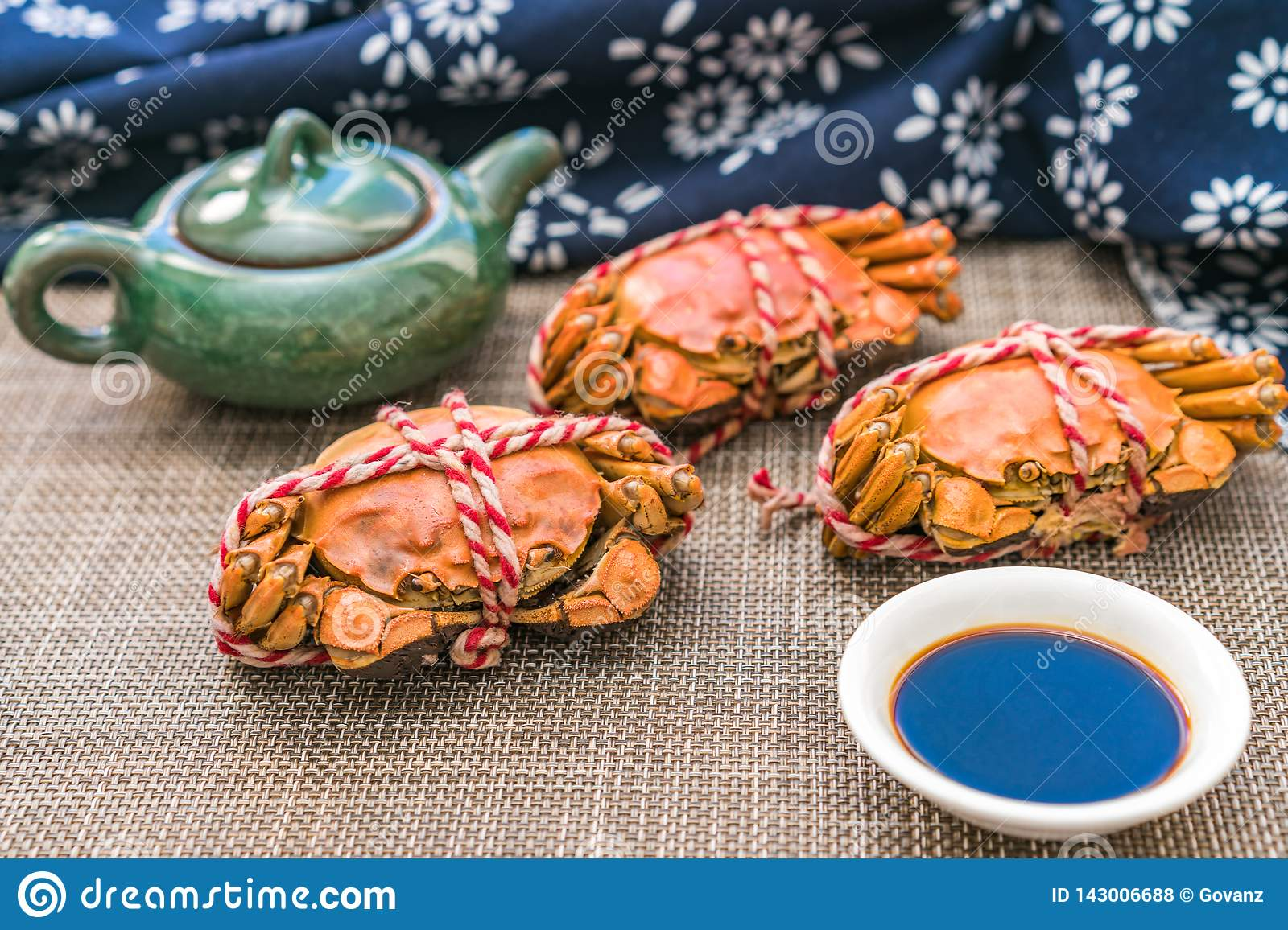 Steamed crab, a delicacy of Chongyang Festival in China