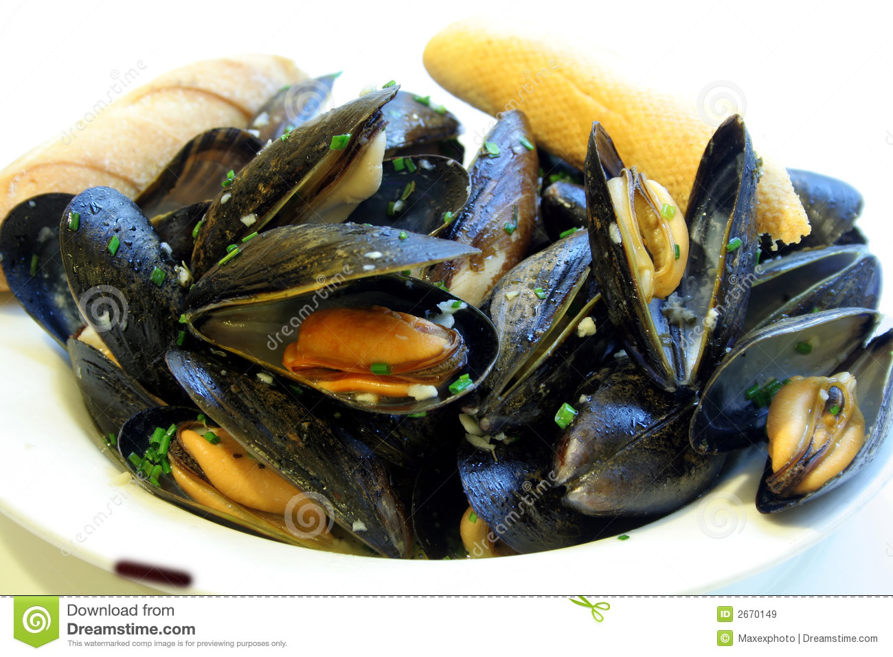 how to eat mussels in sauce